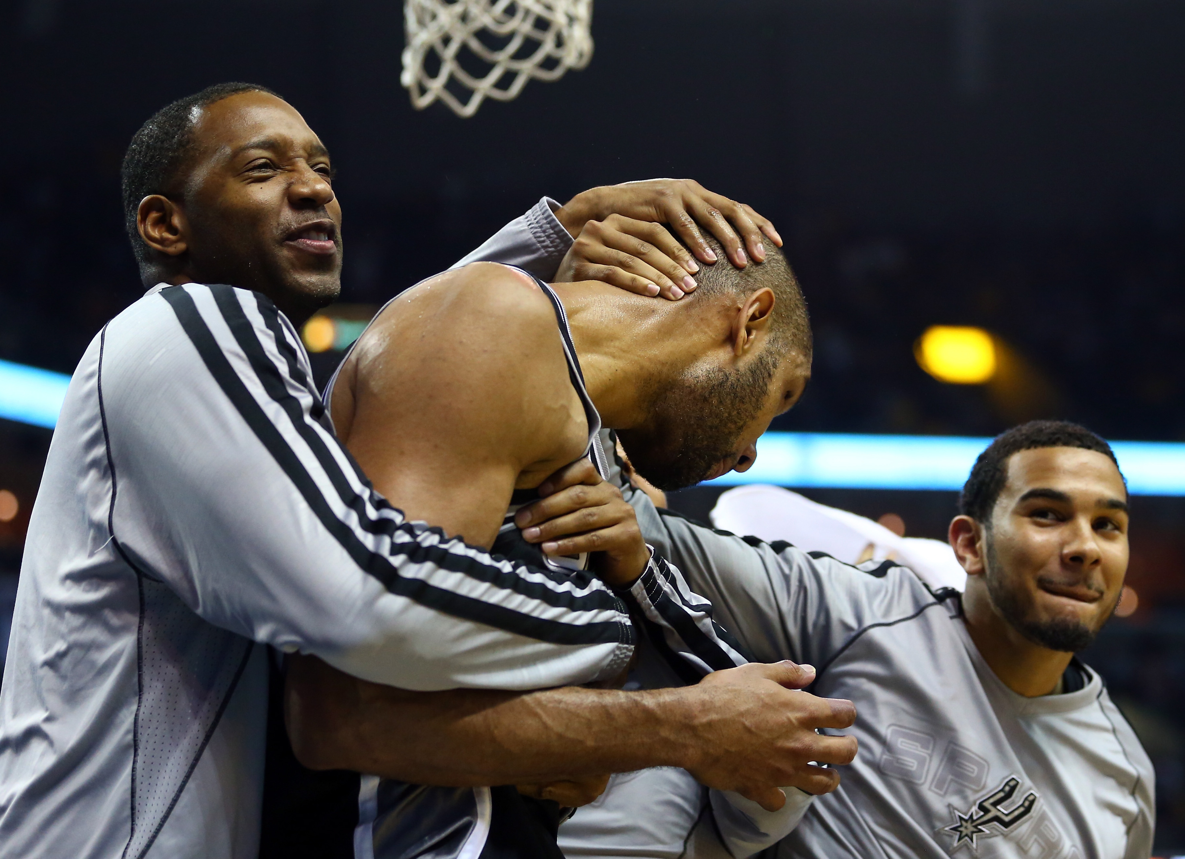 2013 NBA Playoffs highlights: Spurs beat Grizzlies in overtime for 3-0 series lead