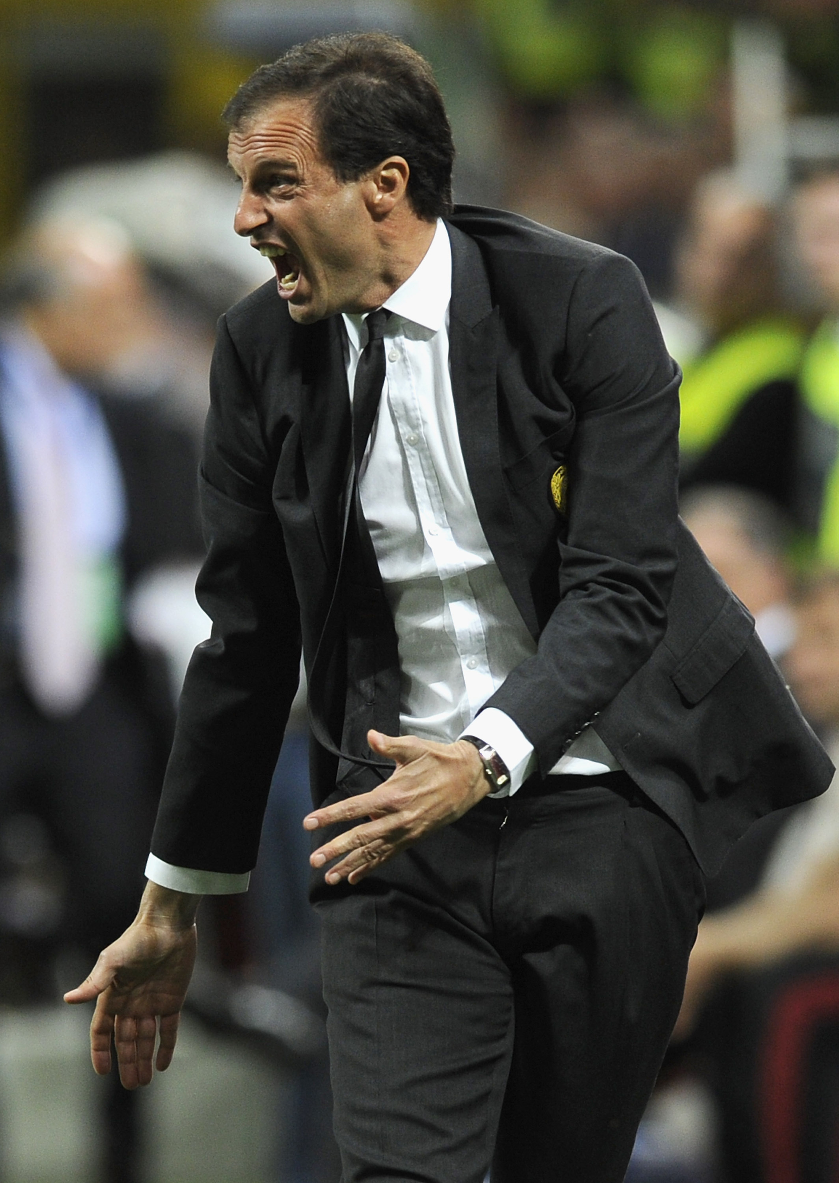 AC Milan announce that Massimiliano Allegri will stay as coach