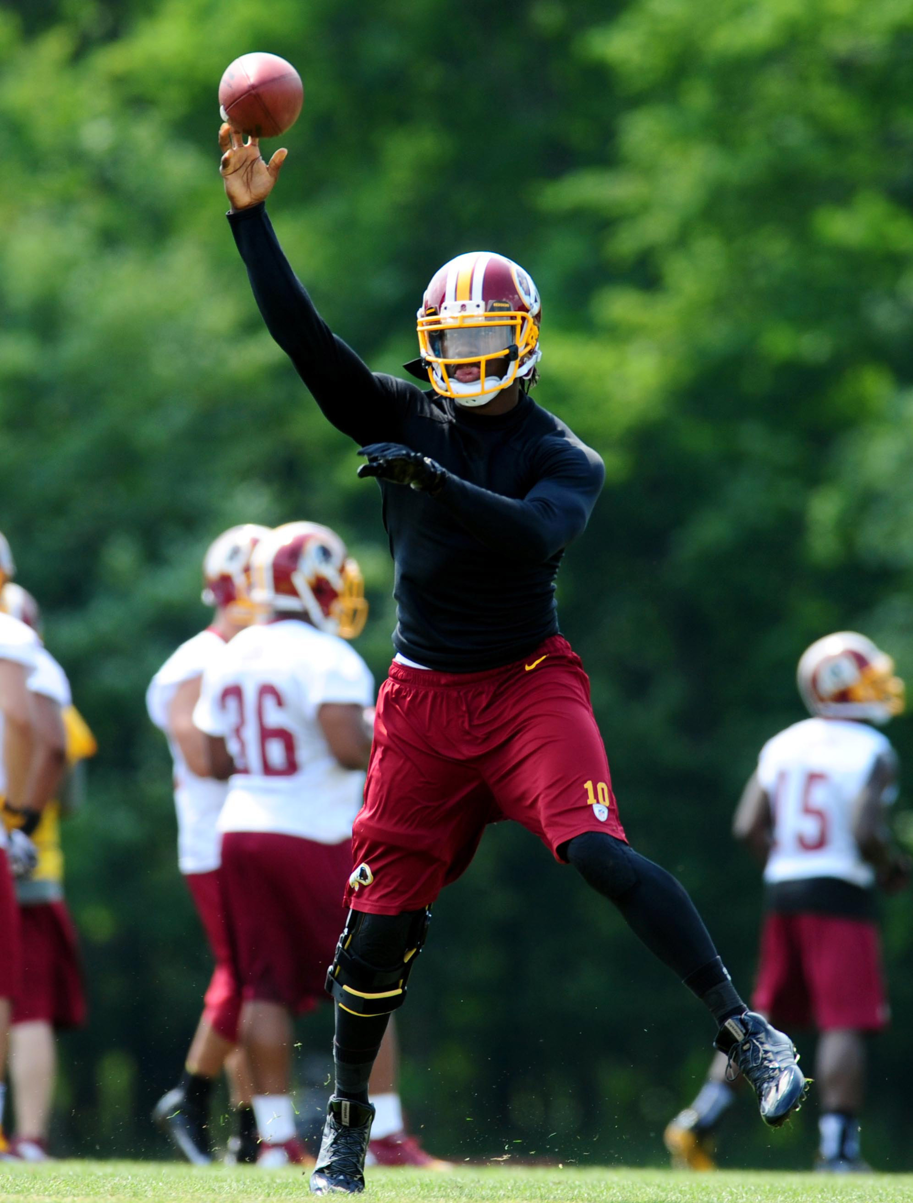 Robert Griffin III injury: Quarterback begins making cuts with no setbacks