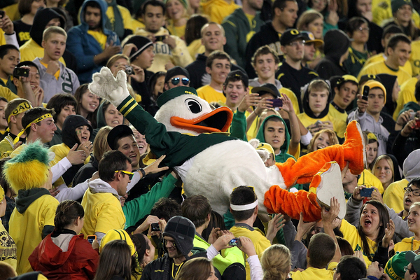 Oregon football sanctions reaction: National opinions mixed on Ducks penalty