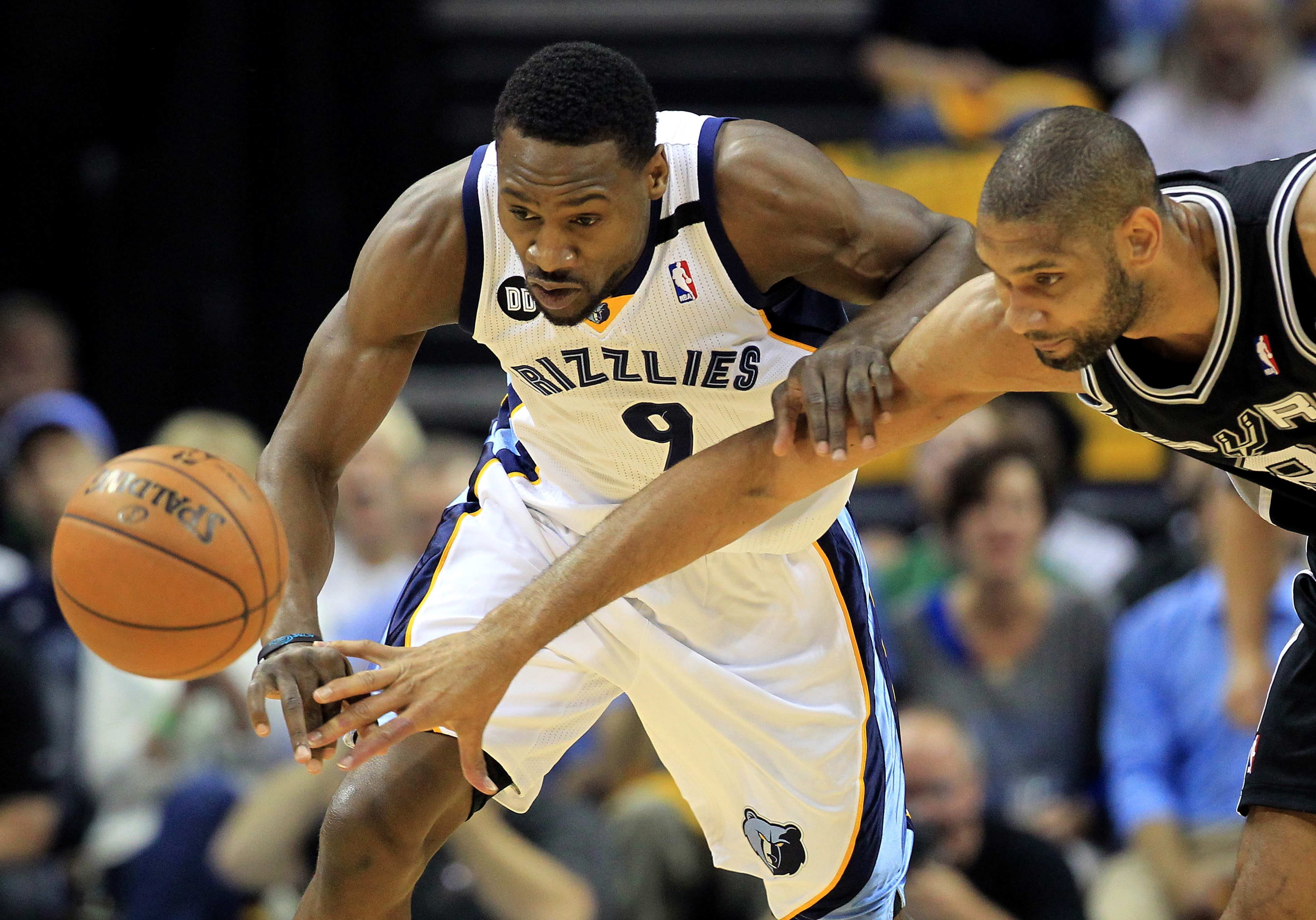 Tony Allen returns to Grizzlies with contract that was merely a formality