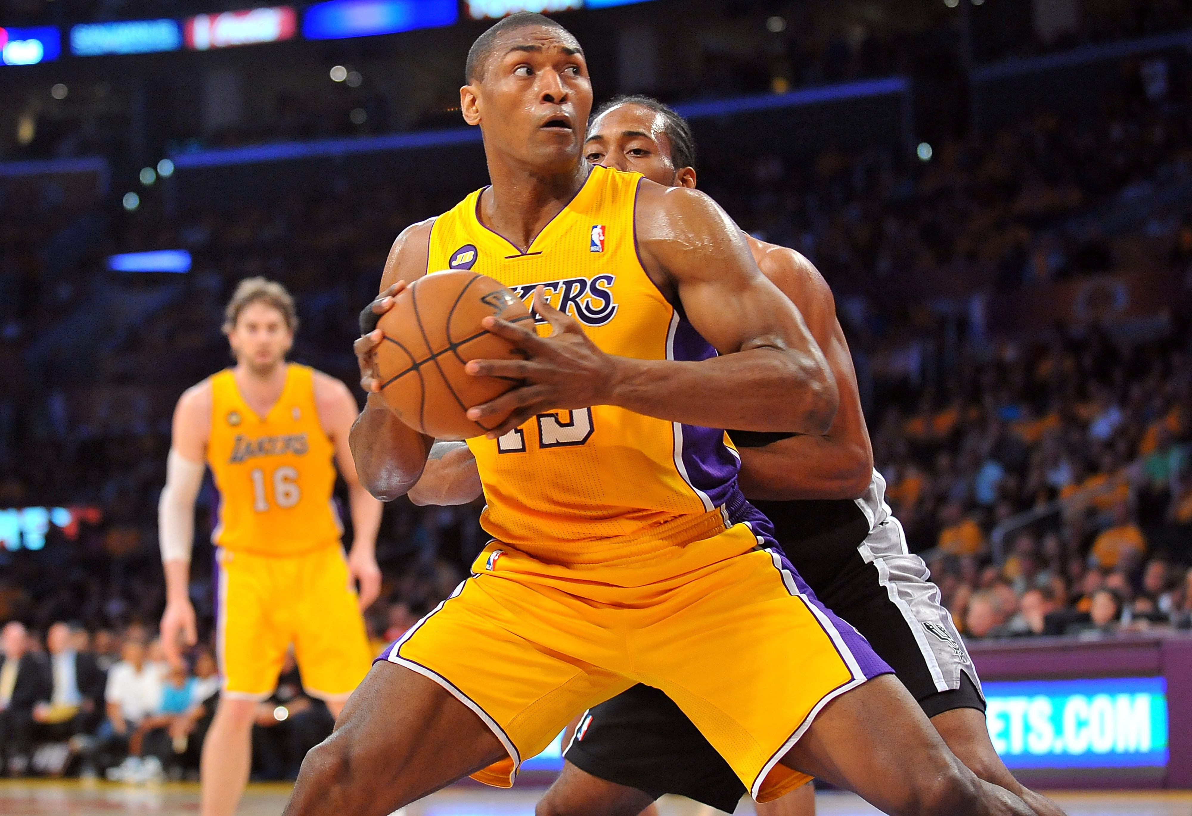Lakers to amnesty Metta World Peace, according to report
