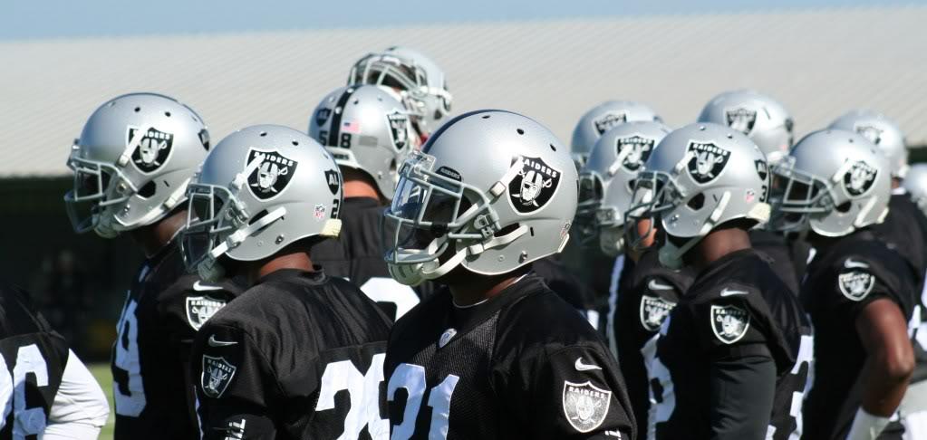 Raiders players at 2012 Oakland Raiders training camp
