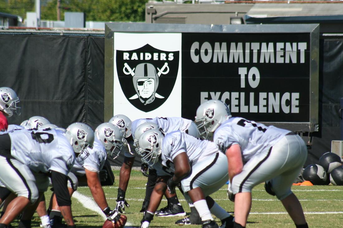 Oakland Raiders run drills in 2013 training camp