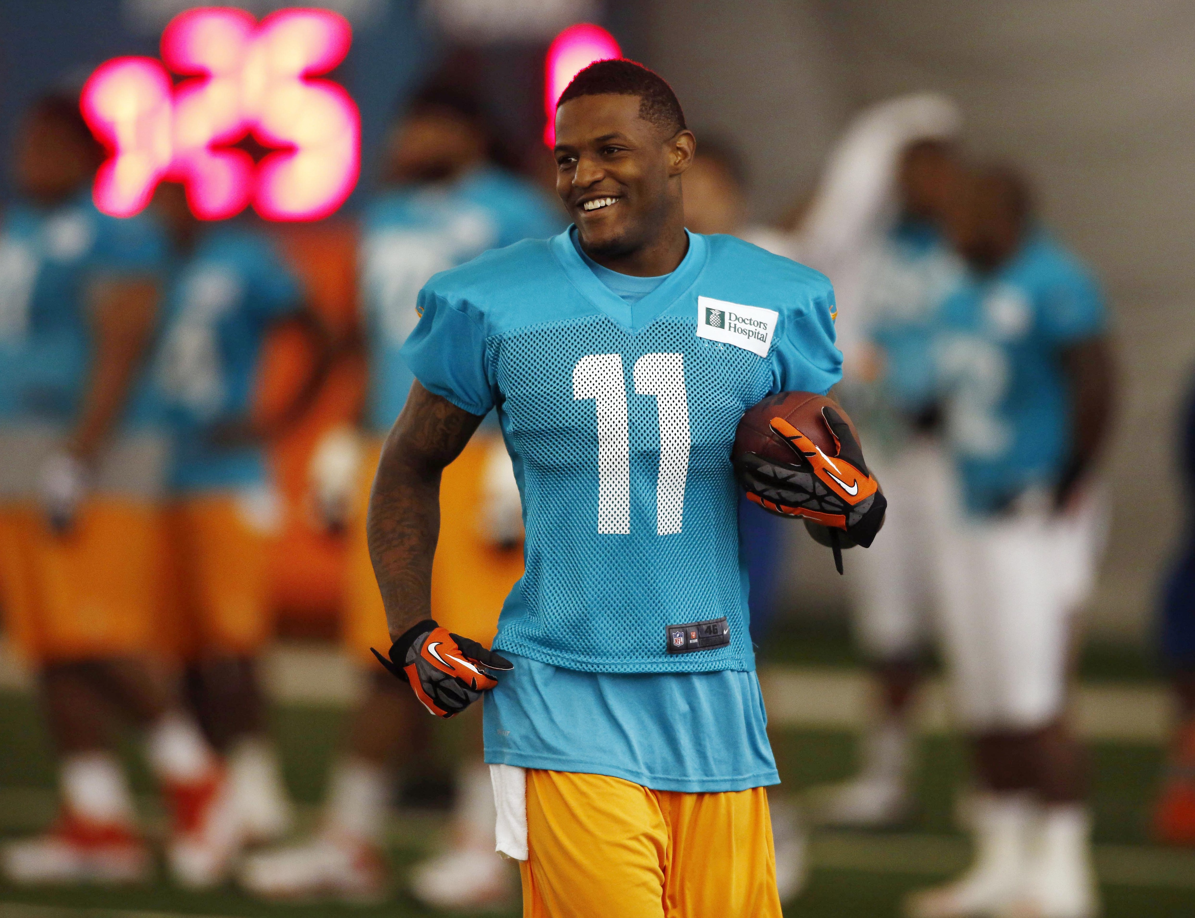 Mike Wallace injury: Dolphins WR returns to practice