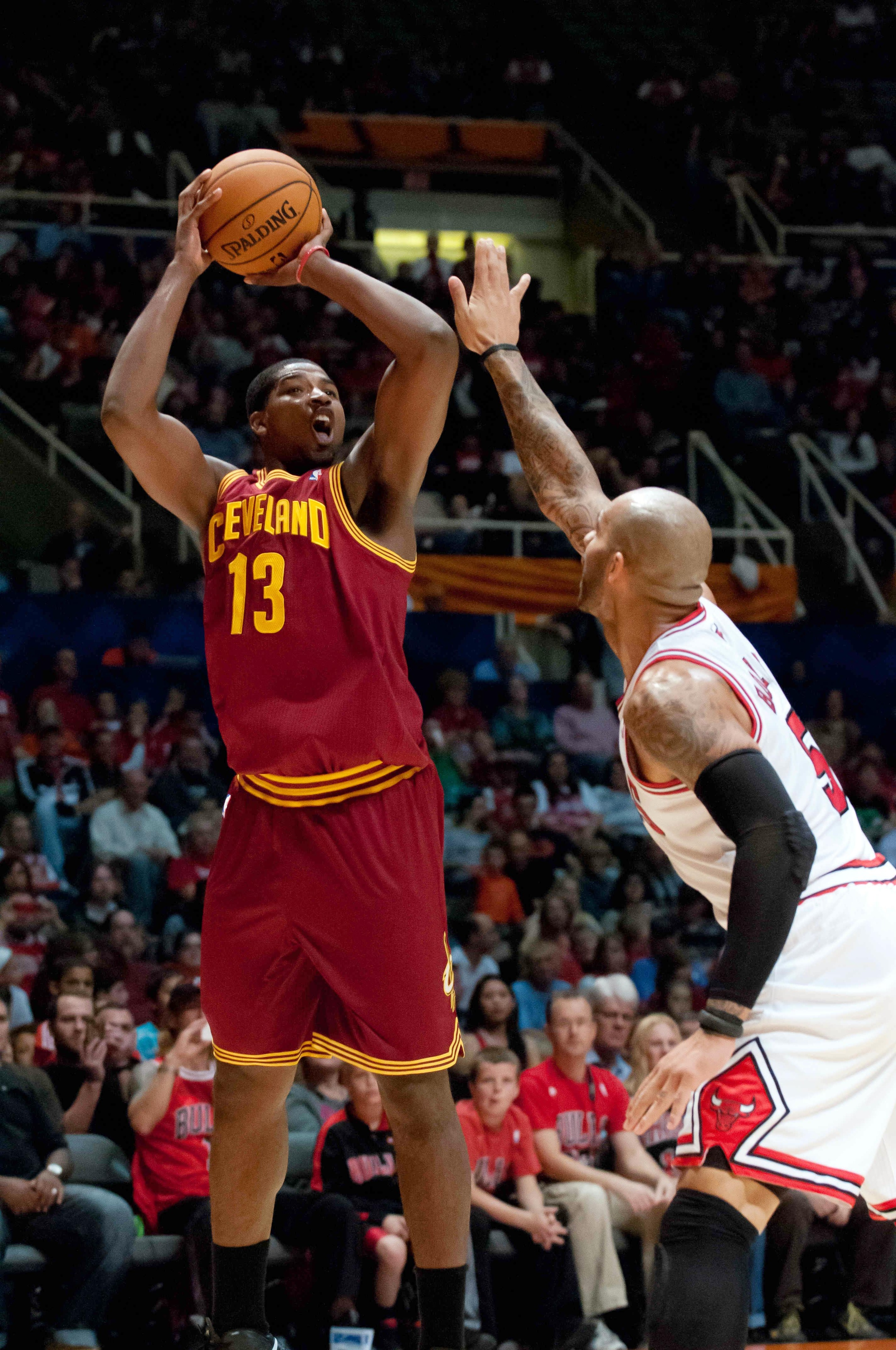 Tristan Thompson is looking to make his shot tighty using his righty from now on ...