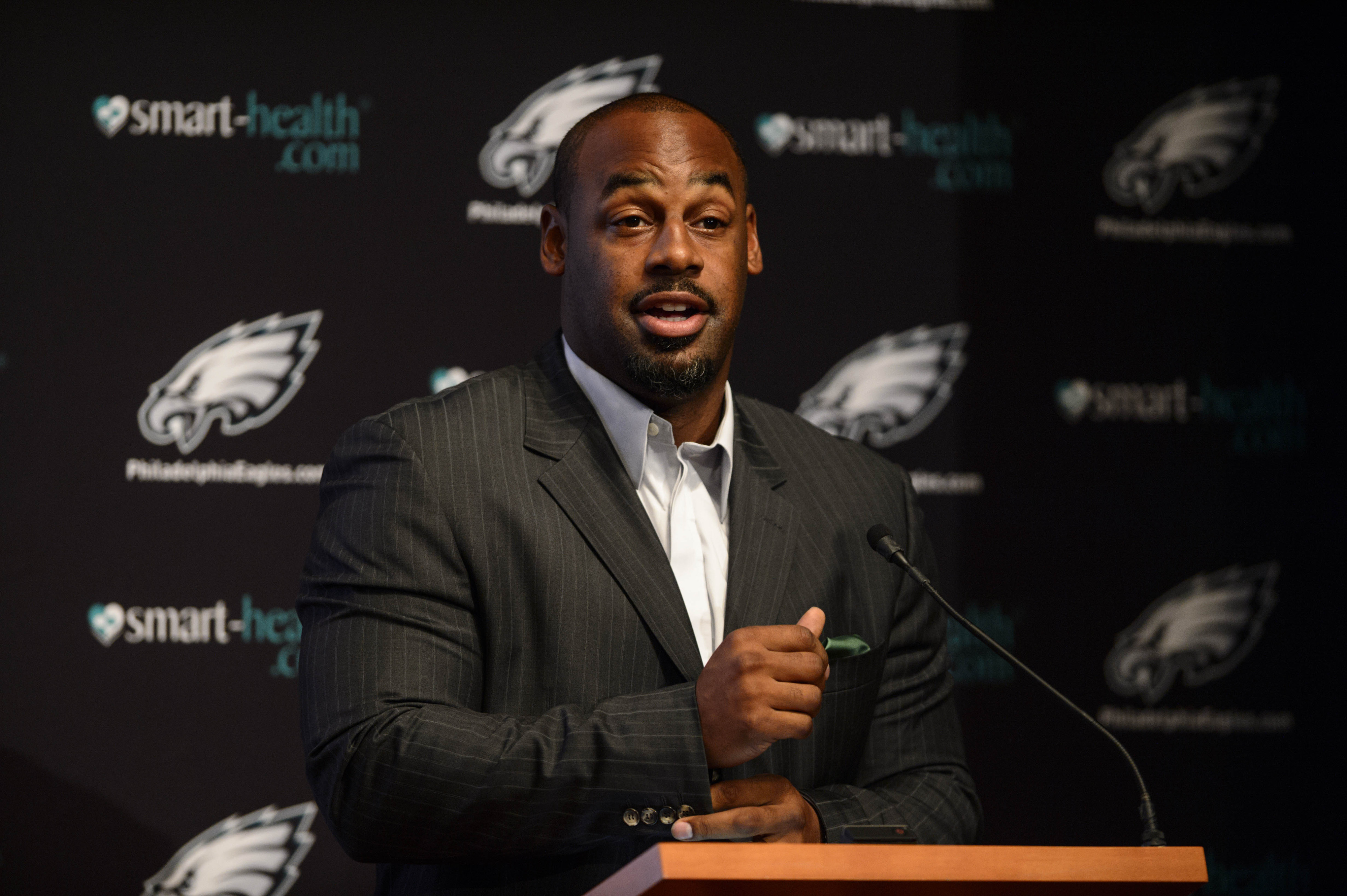 Donovan McNabb says RGIII is 'getting brainwashed'