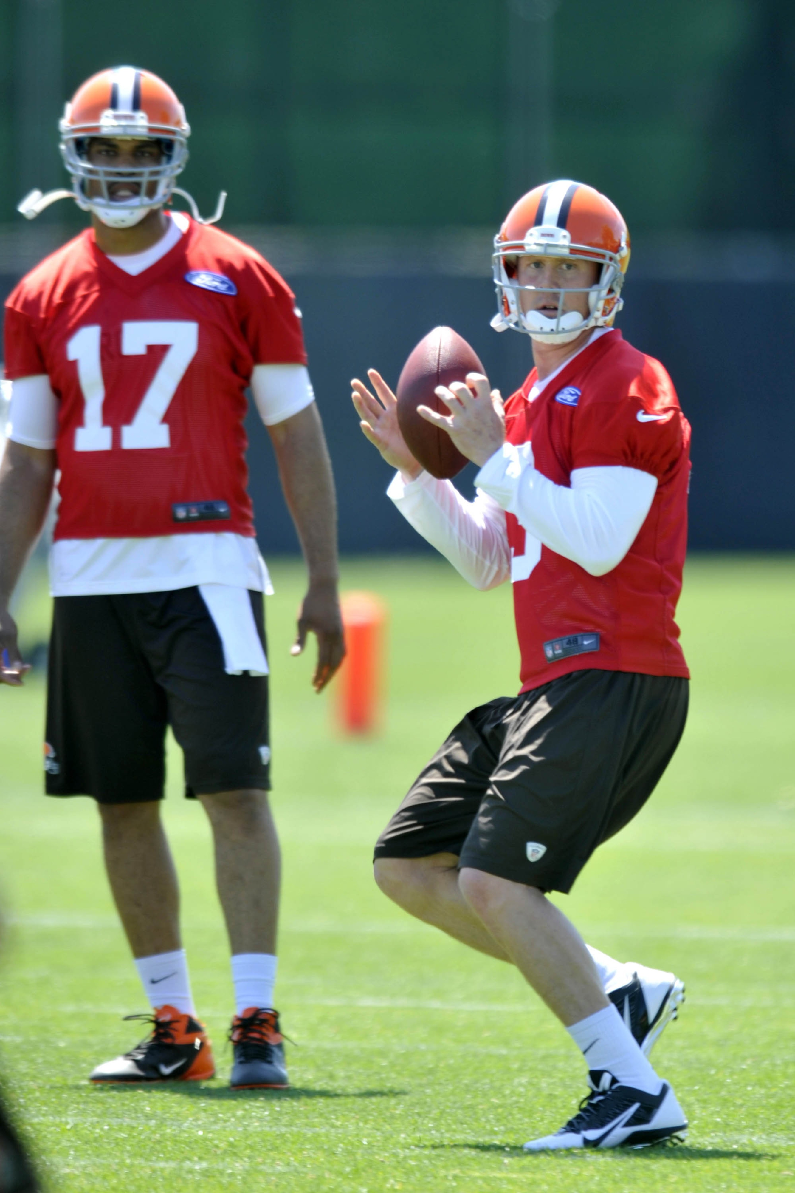 Brandon Weeden, Jason Campbell in 'close' battle for Browns starting QB