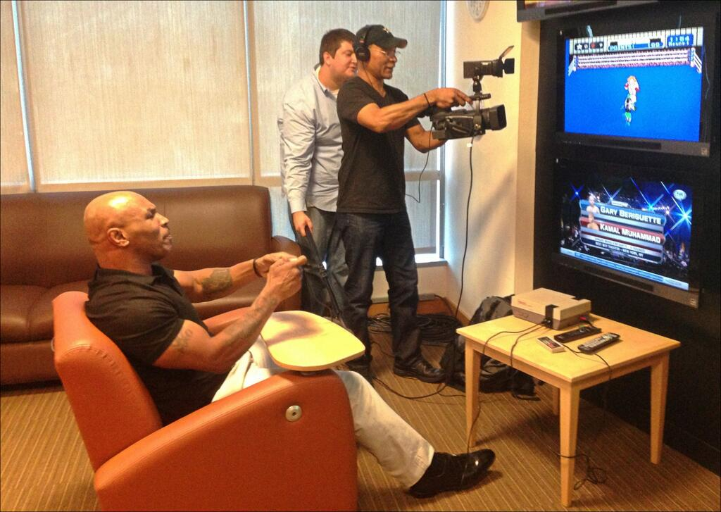 Mike Tyson defeats Glass Joe in Punch-Out!!