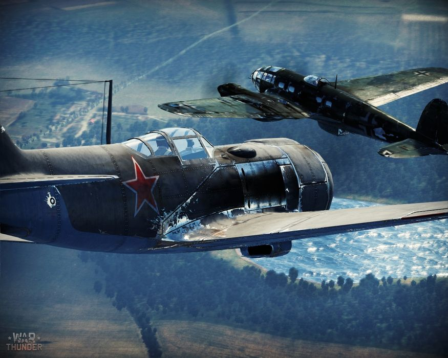 War Thunder available at PS4 launch