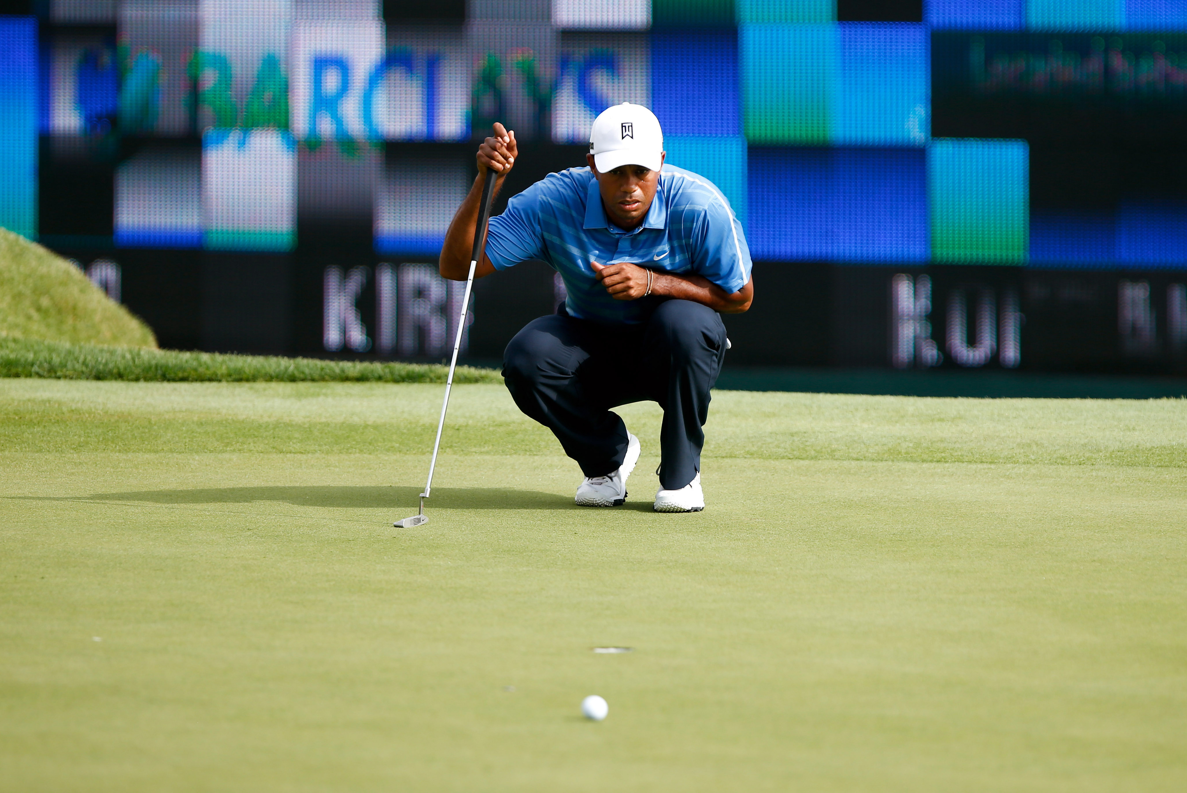 2013 Barclays golf leaderboard: Tiger Woods opens well then falls back