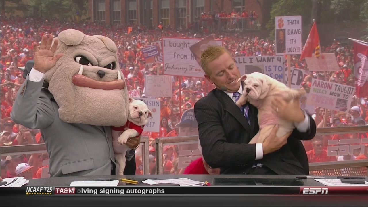 The best of College GameDay, Week 1: Signs, GIFs and more from Clemson