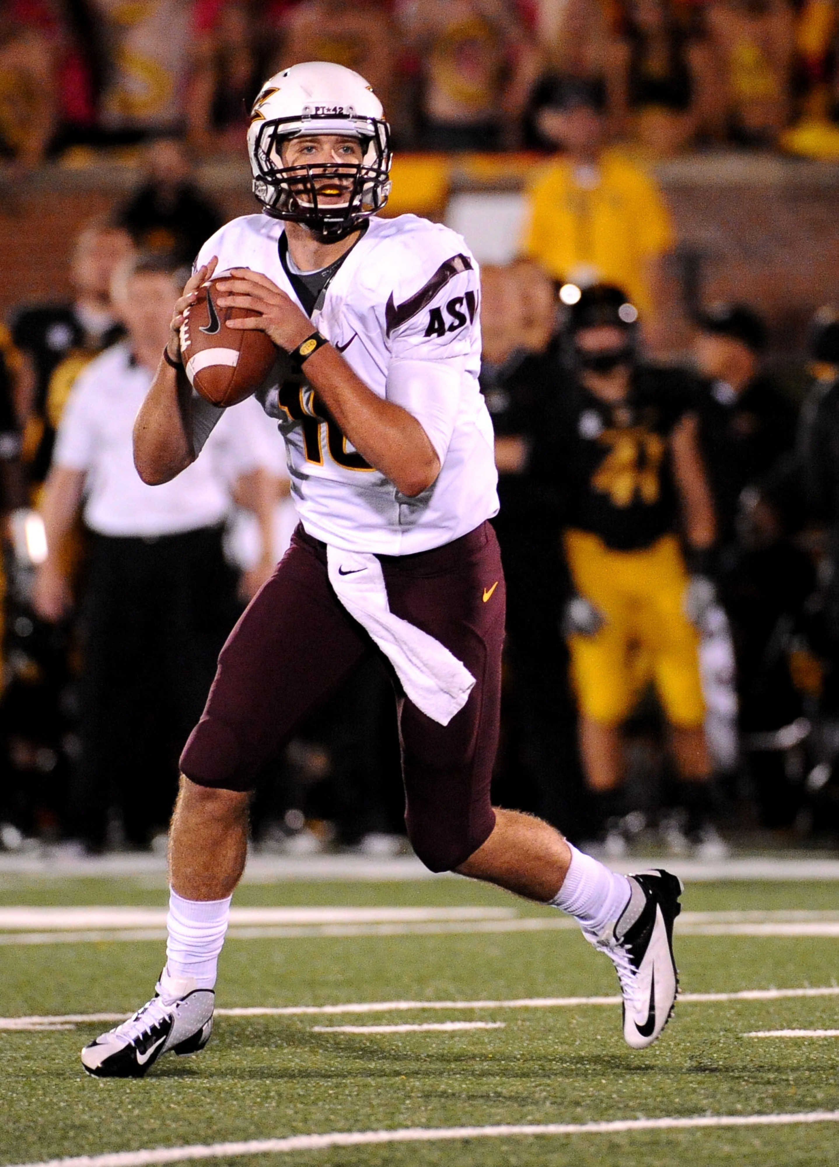 Taylor Kelly will lead the Sun Devils in their first game of 2013.