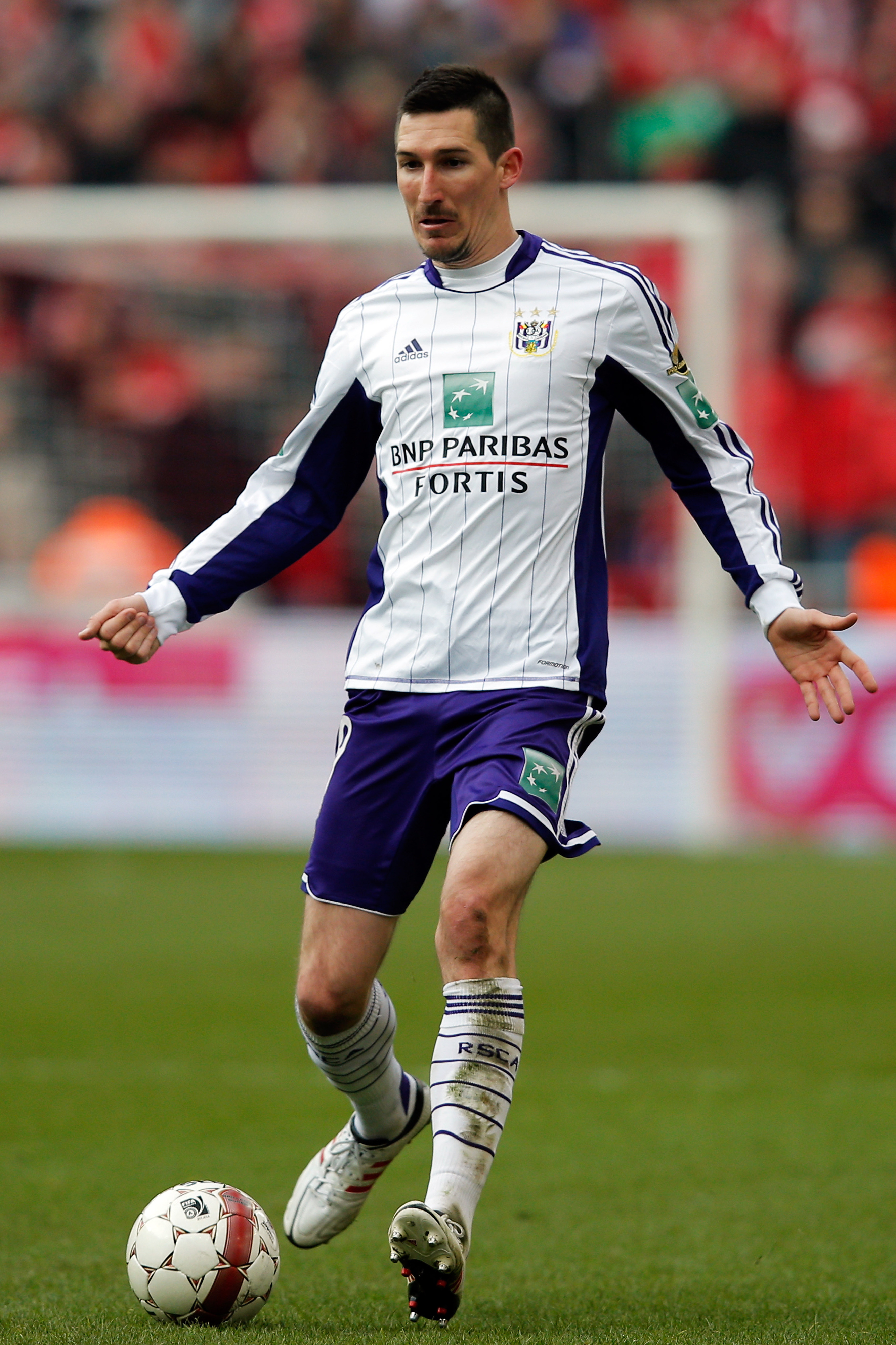 Ex-Chivas USA midfielder Sacha Kljestan now in the UEFA Champions League with Anderlecht
