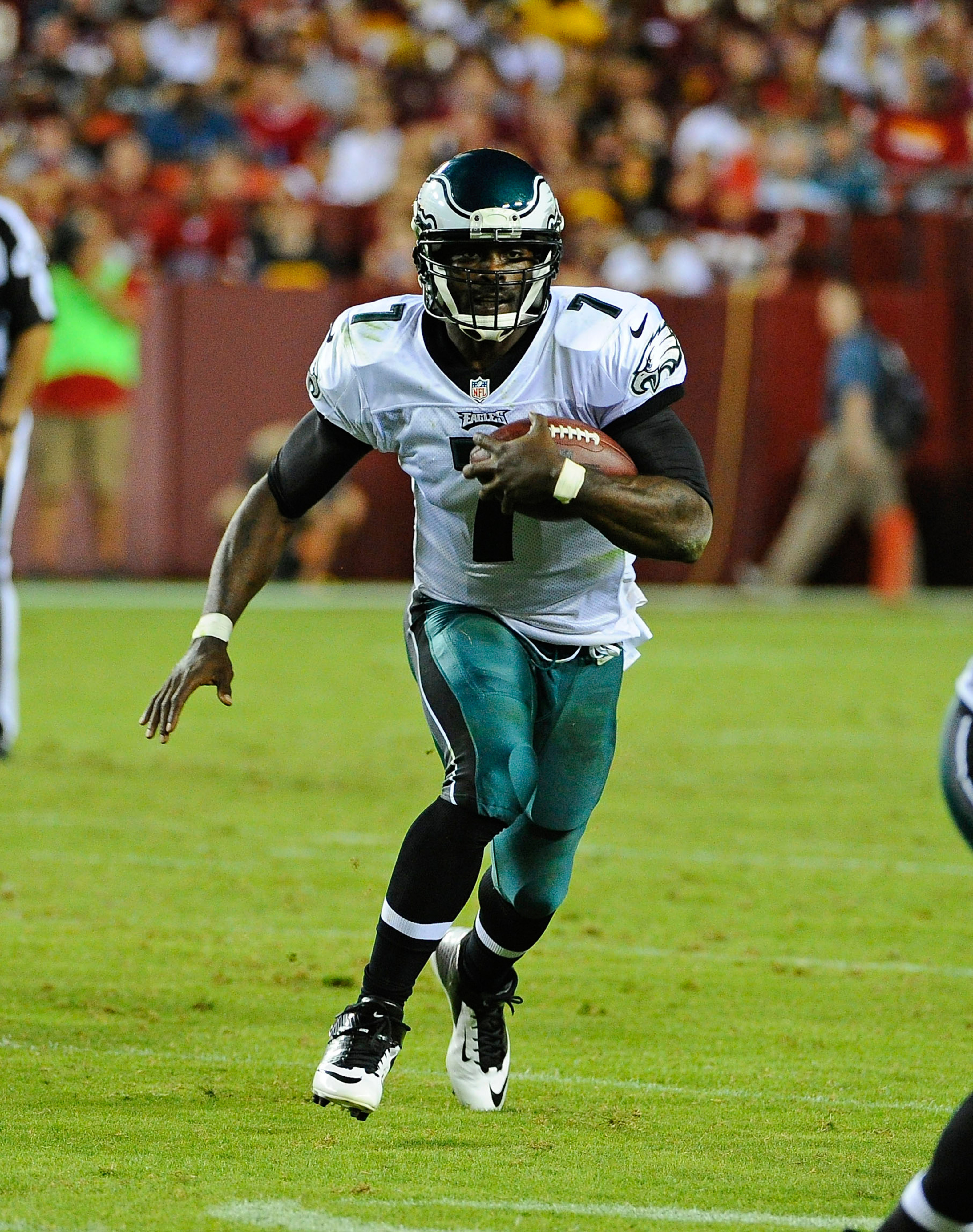 Michael Vick scores 3 touchdowns for fantasy owners in Eagles season opener