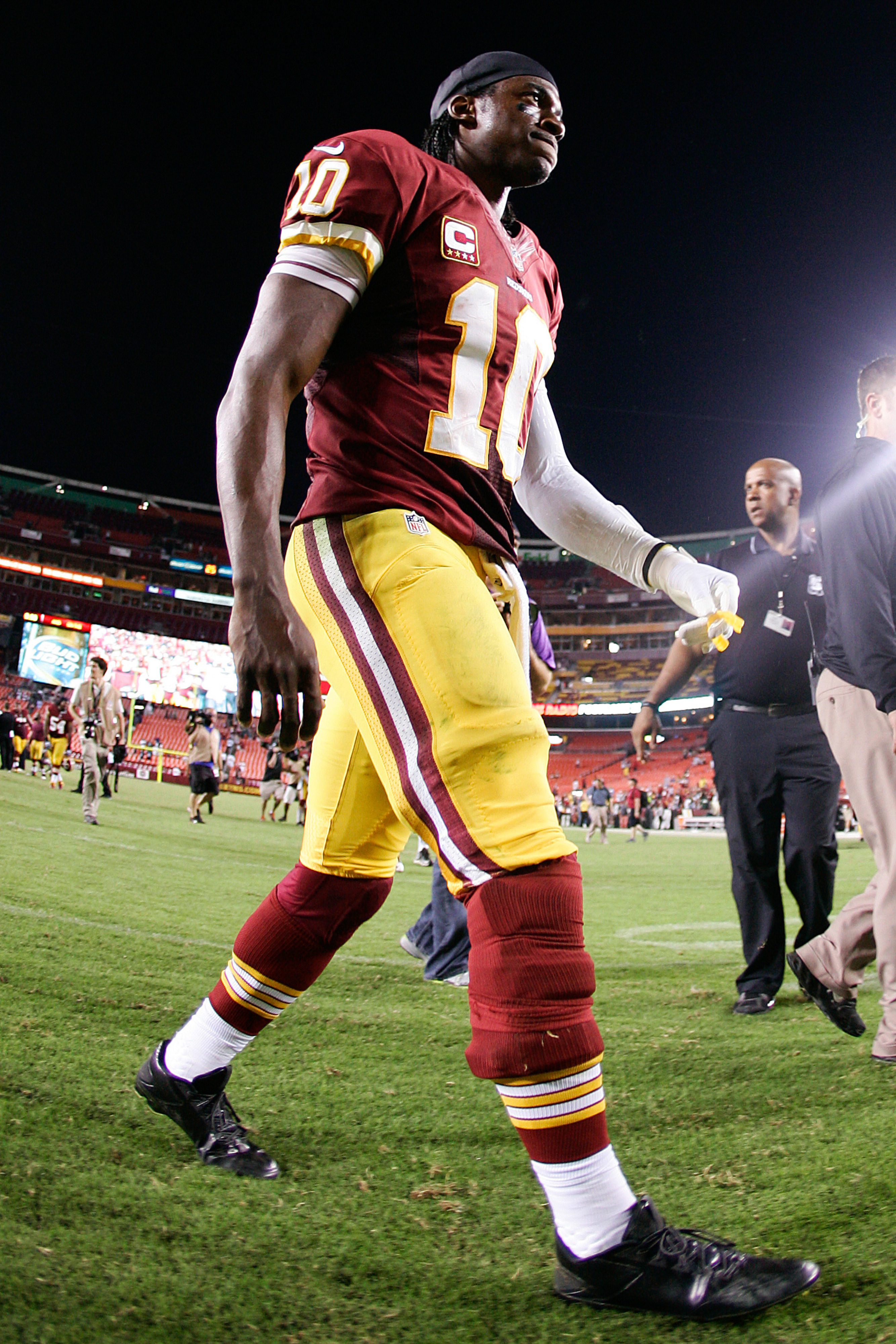 NFL made Robert Griffin III cover knee brace in Redskins loss