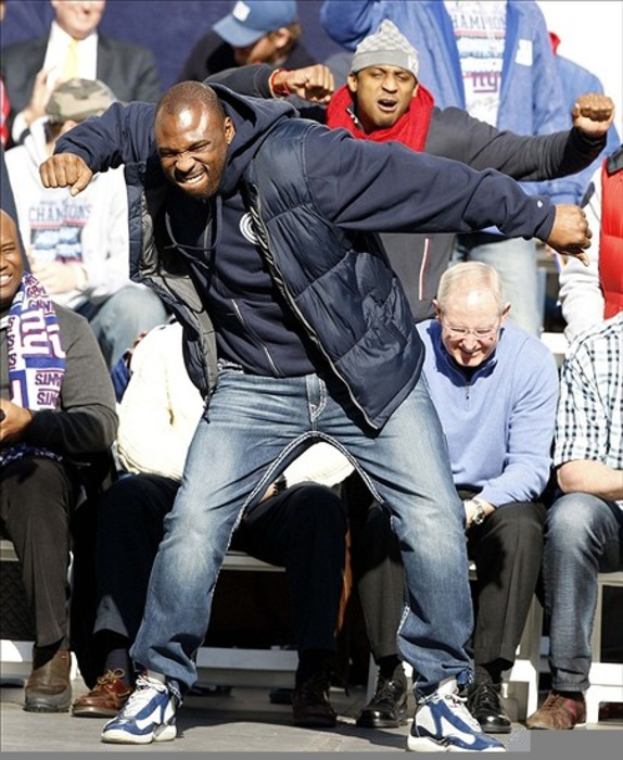Brandon Jacobs might feel like this right about now.