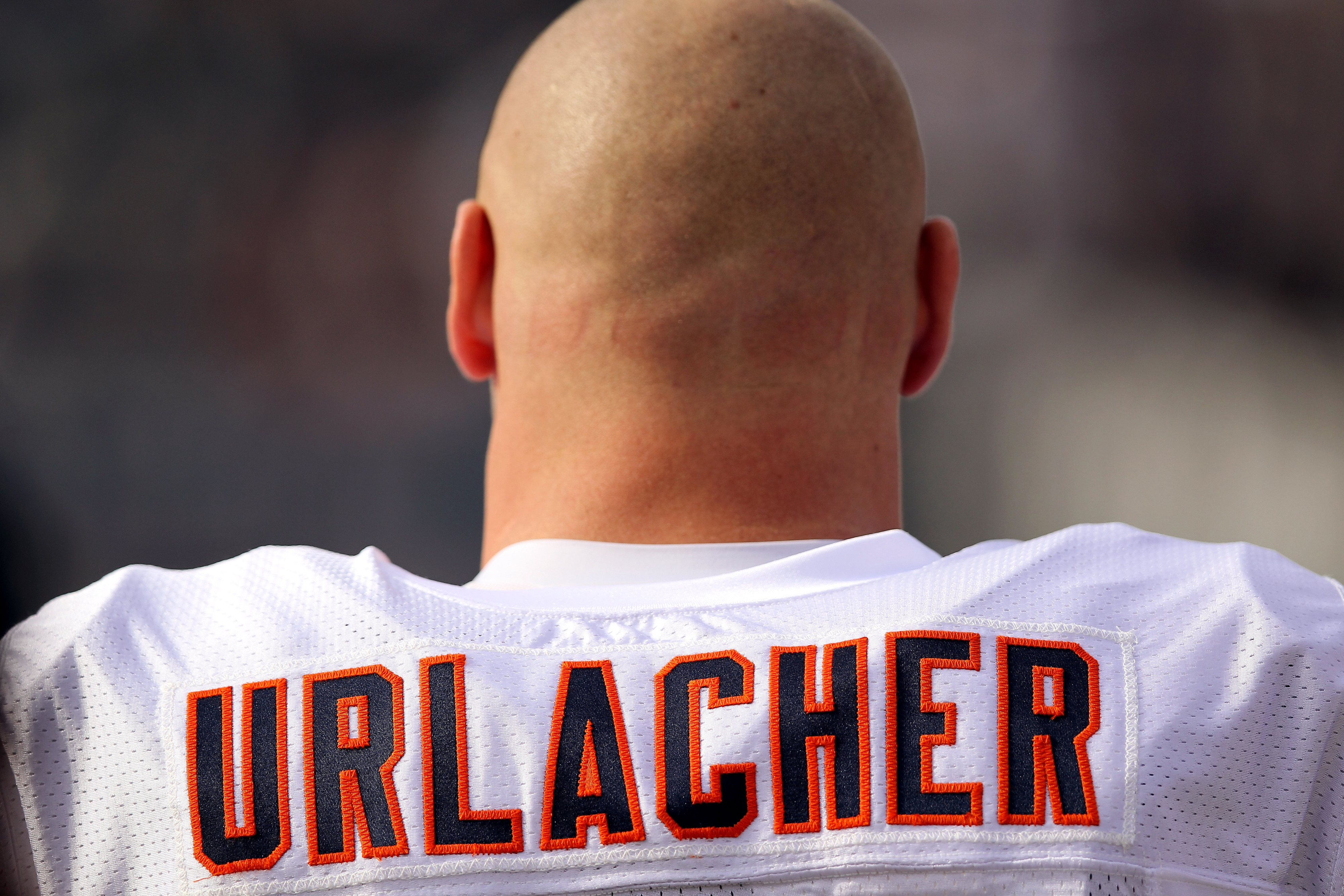 Brian Urlacher didn't like the way Bears handled contract negotiations