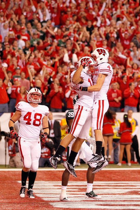 Will UW's offensive line do its part to get the Badgers here against Sparty?