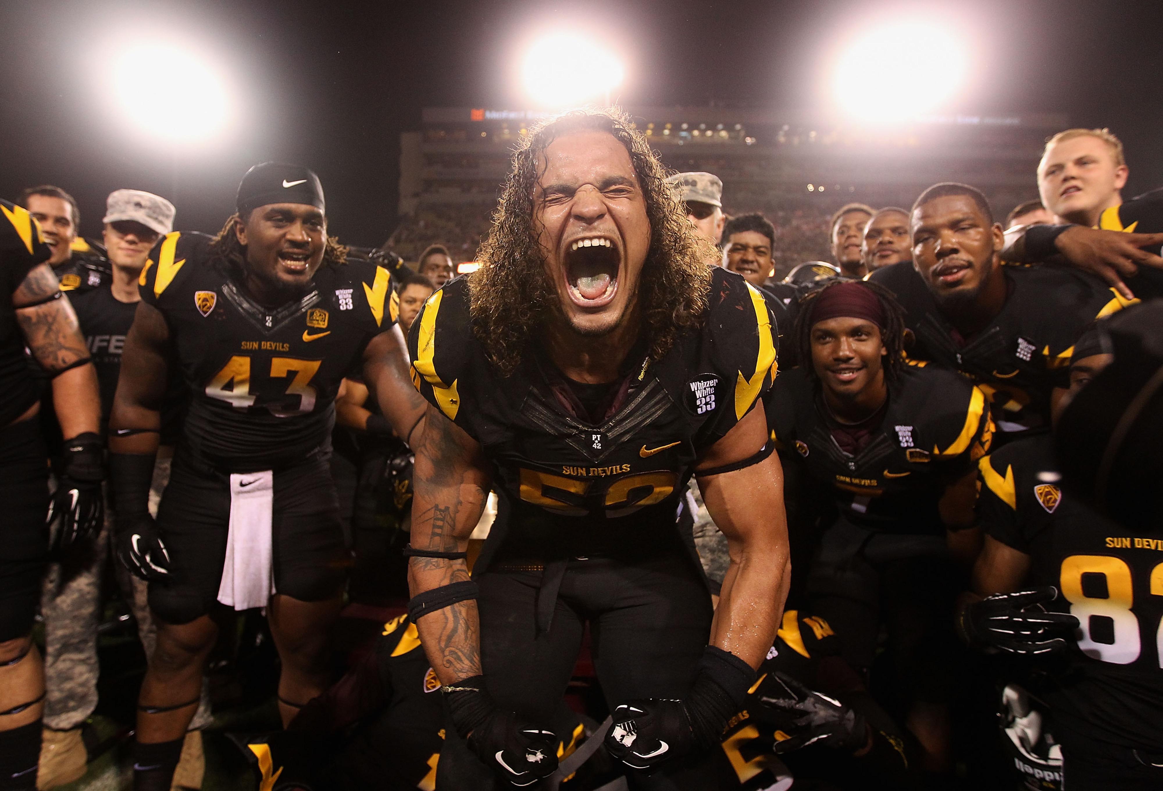 I am Carl Bradford. Here my roar.