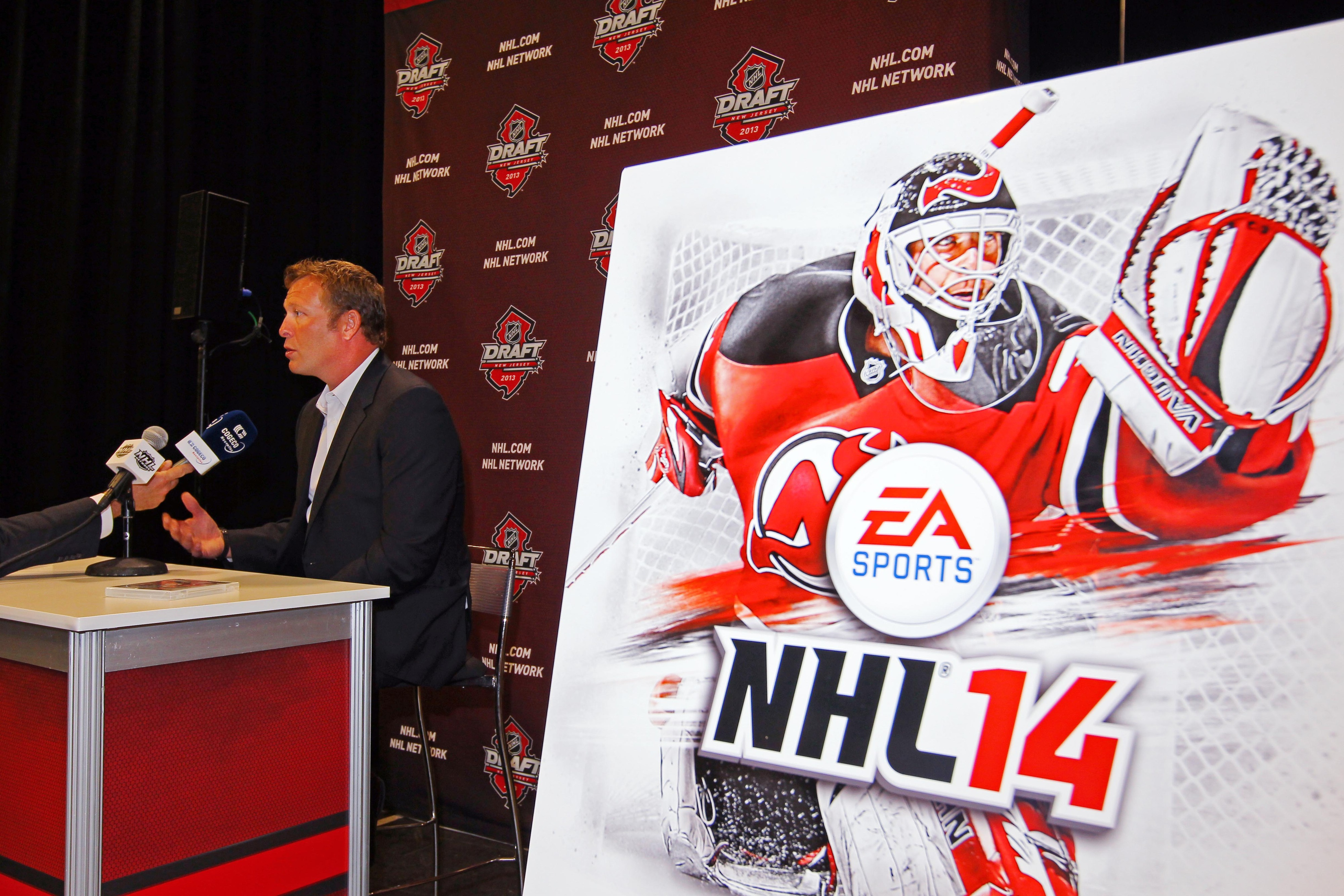 NHL 14 not only include Martin Brodeur on the cover but a better team than the NHL '94 Devils.