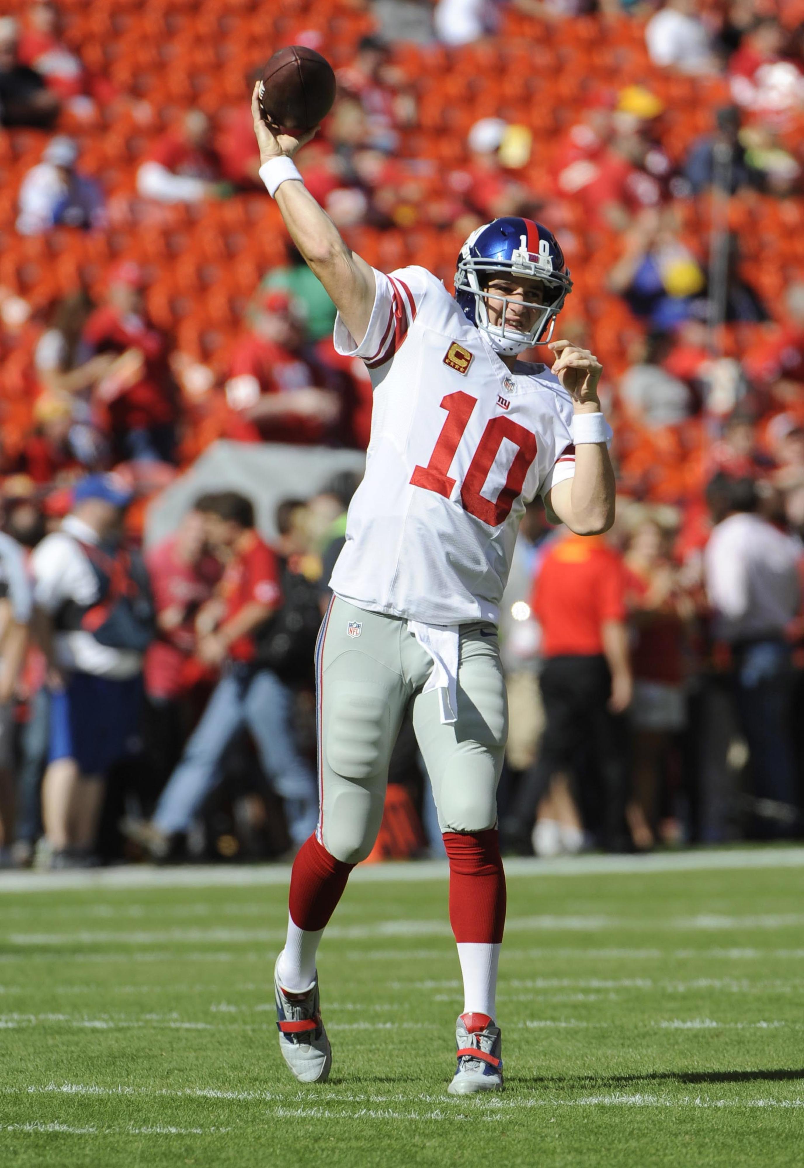 Eli Manning warming up before Sunday's game vs. Kansas City.
