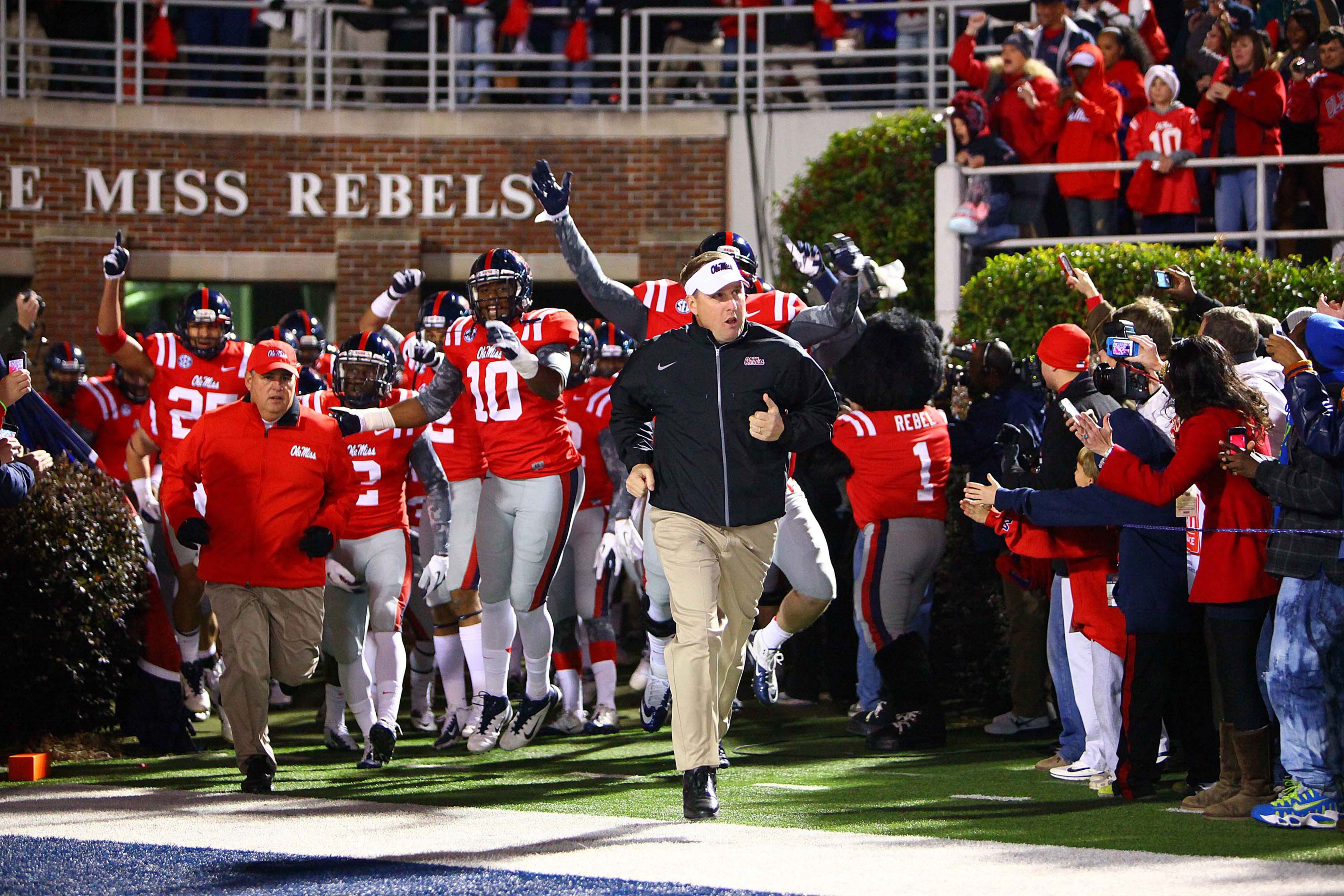 Ole Miss football players accused of disrupting 'Laramie Project' performance