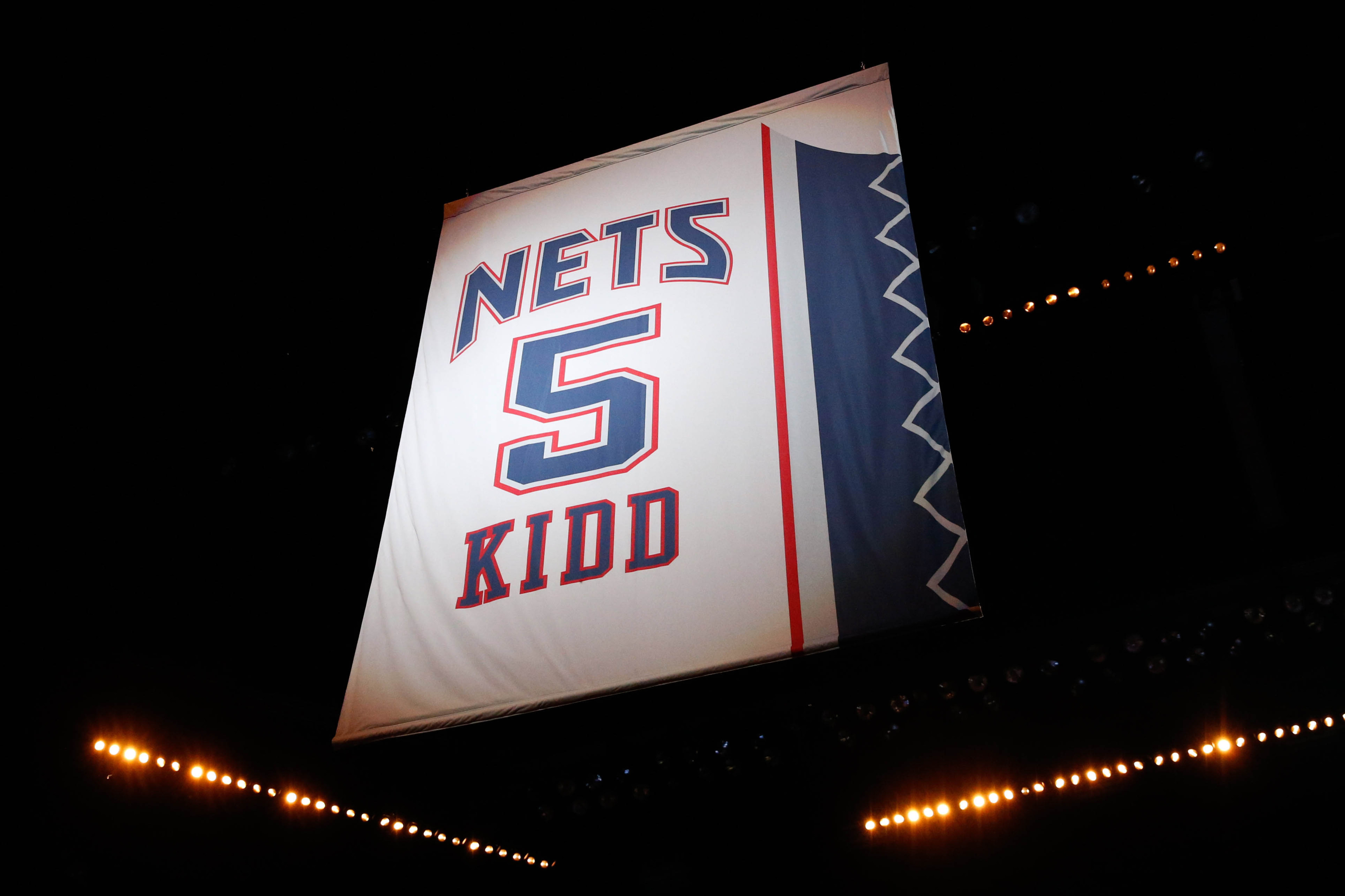 d6fc3663 At Kidd's jersey retirement, it's all about team