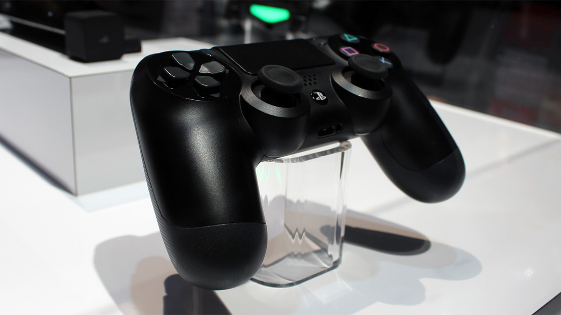 PlayStation 4 controllers hitting retail