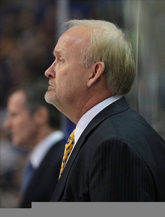 Lindy Ruff returns to Buffalo: Sabres honor former coach