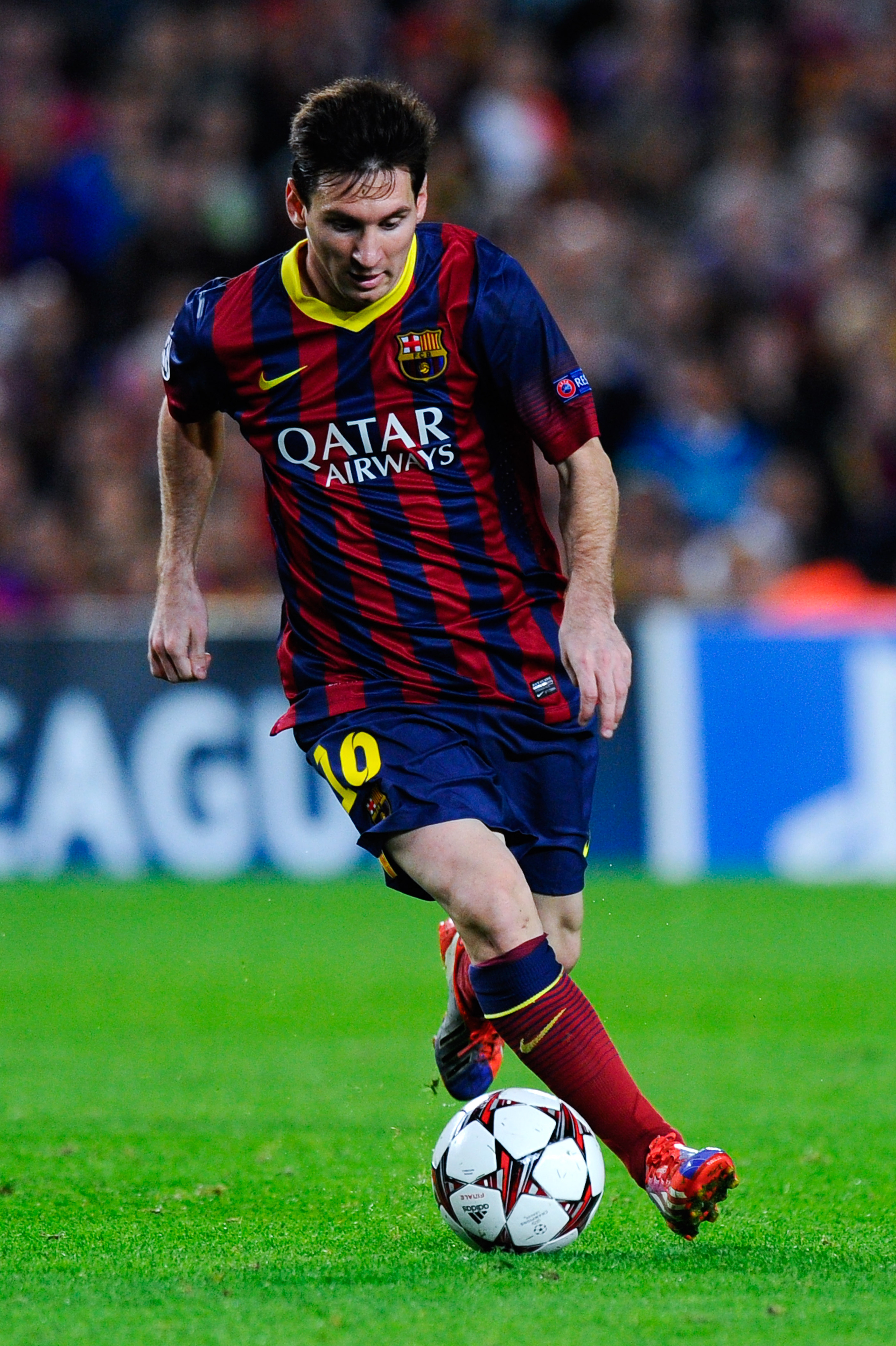 Lionel Messi injury: Barcelona forward substituted against Real Betis