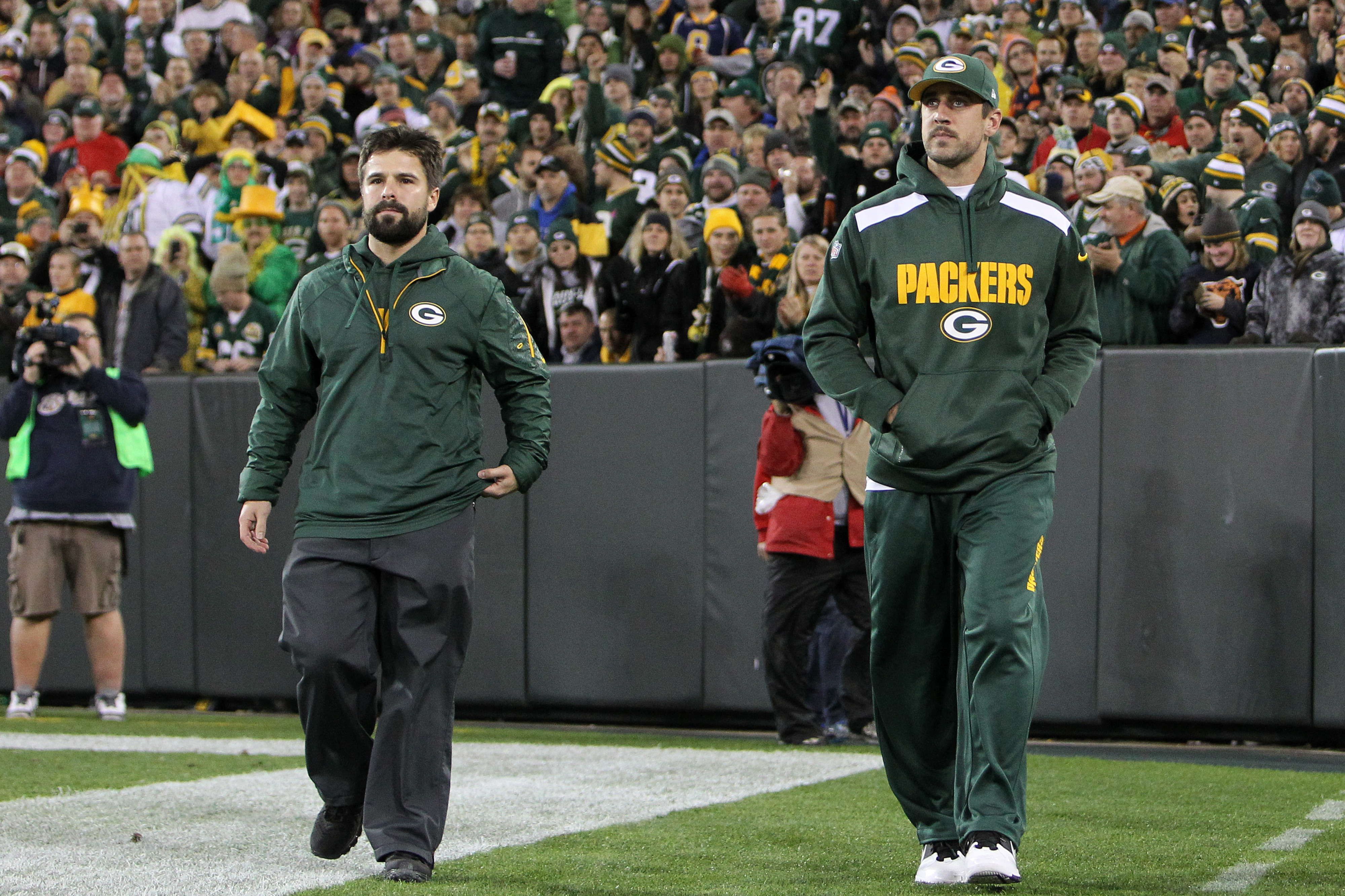 The injury to Aaron Rodgers has many expecting the Giants to win its fourth game in a row.