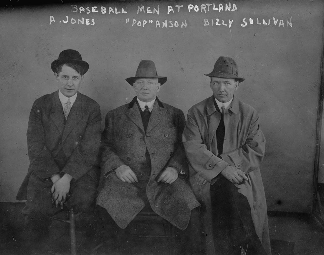 Fielder Jones in 1913, at left