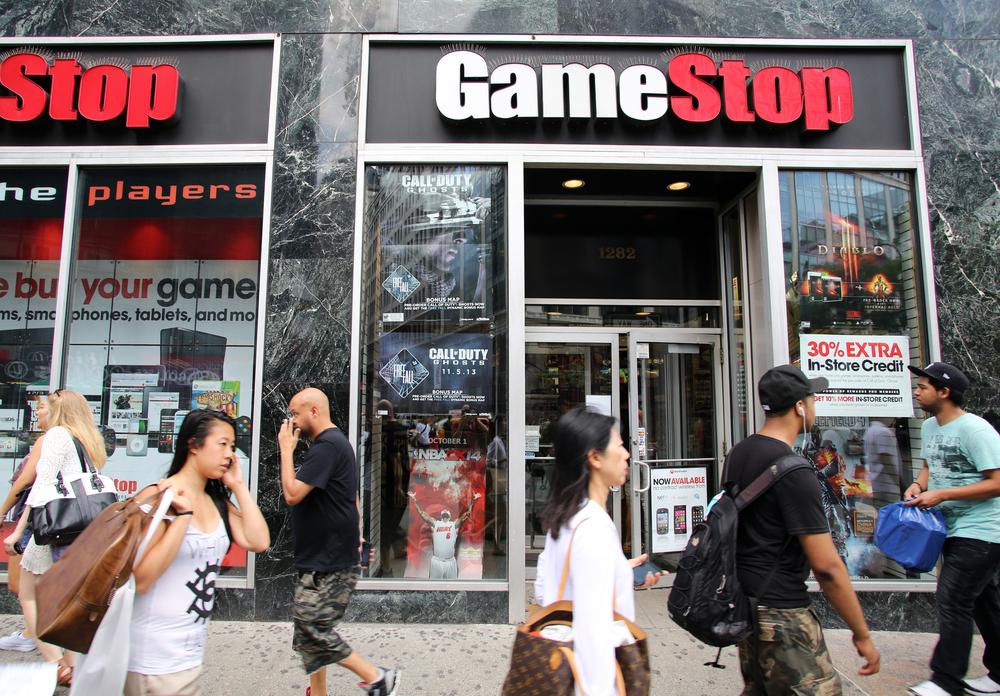 GameStop global sales hit $2.11 billion, store sales rise 20.5 percent