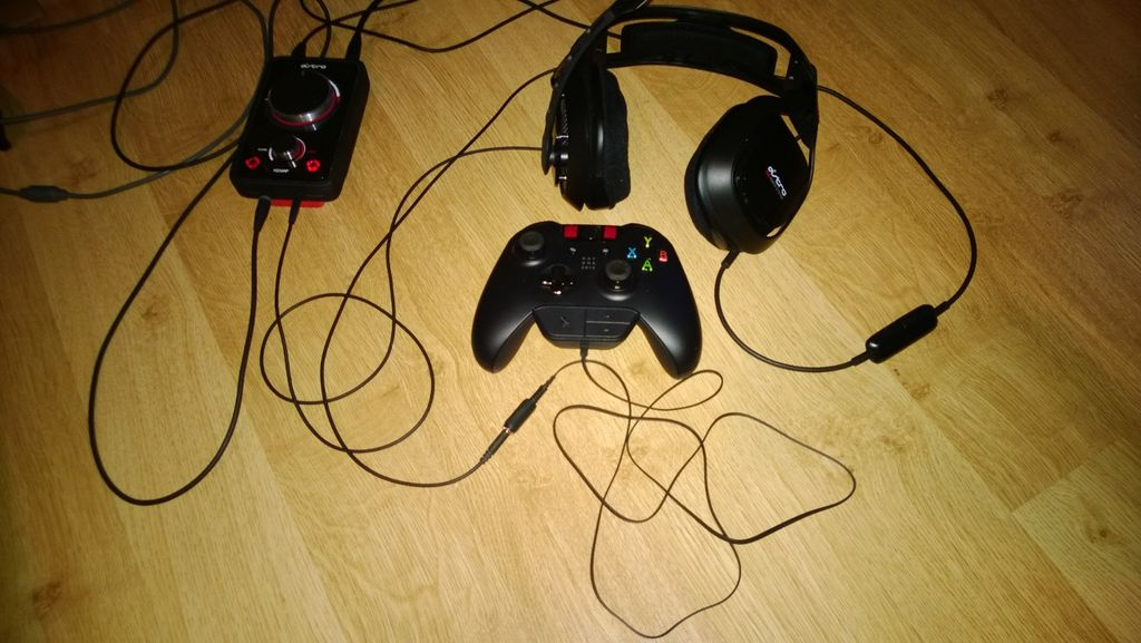 Modders make DIY third-party headset adapters for Xbox One
