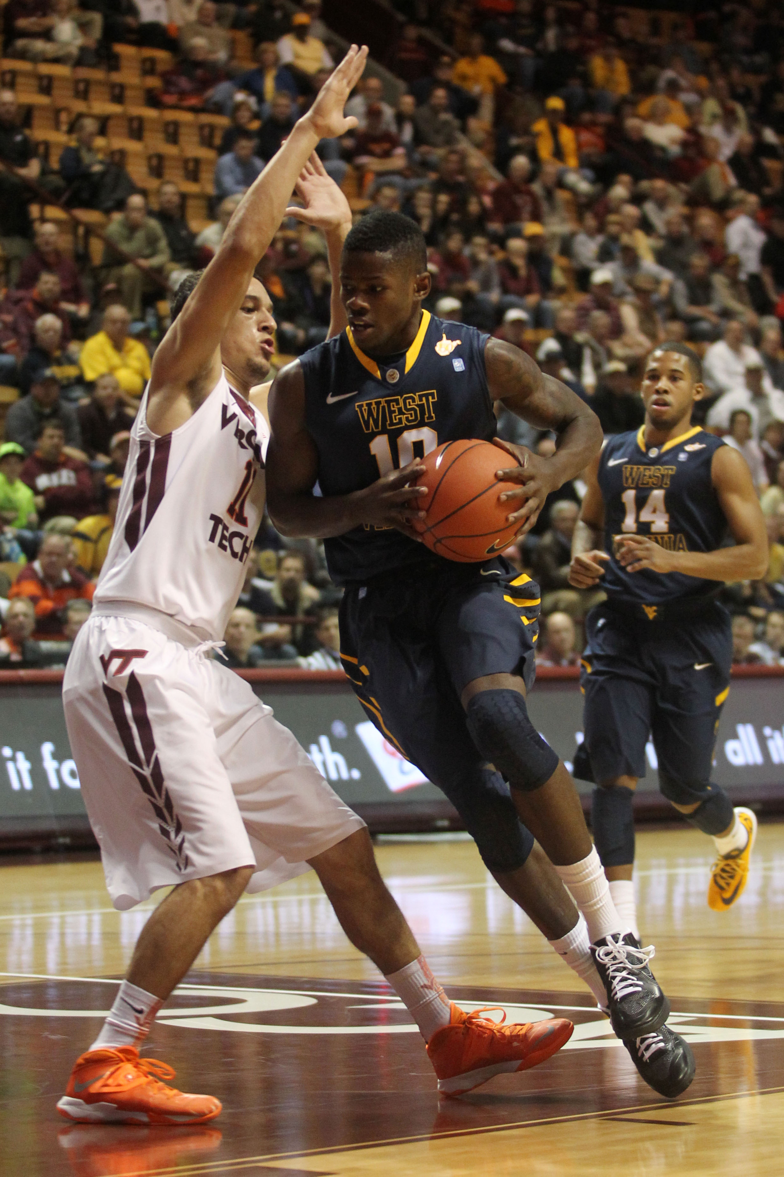 Eron Harris (10) might have a little extra motivation to beat the Badgers.