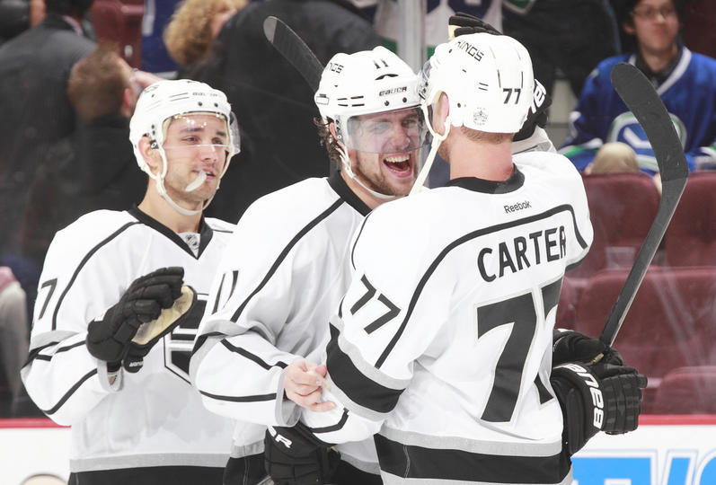 Alec Martinez and Jeff Carter totally used Anze Kopitar to make themselves look even better.