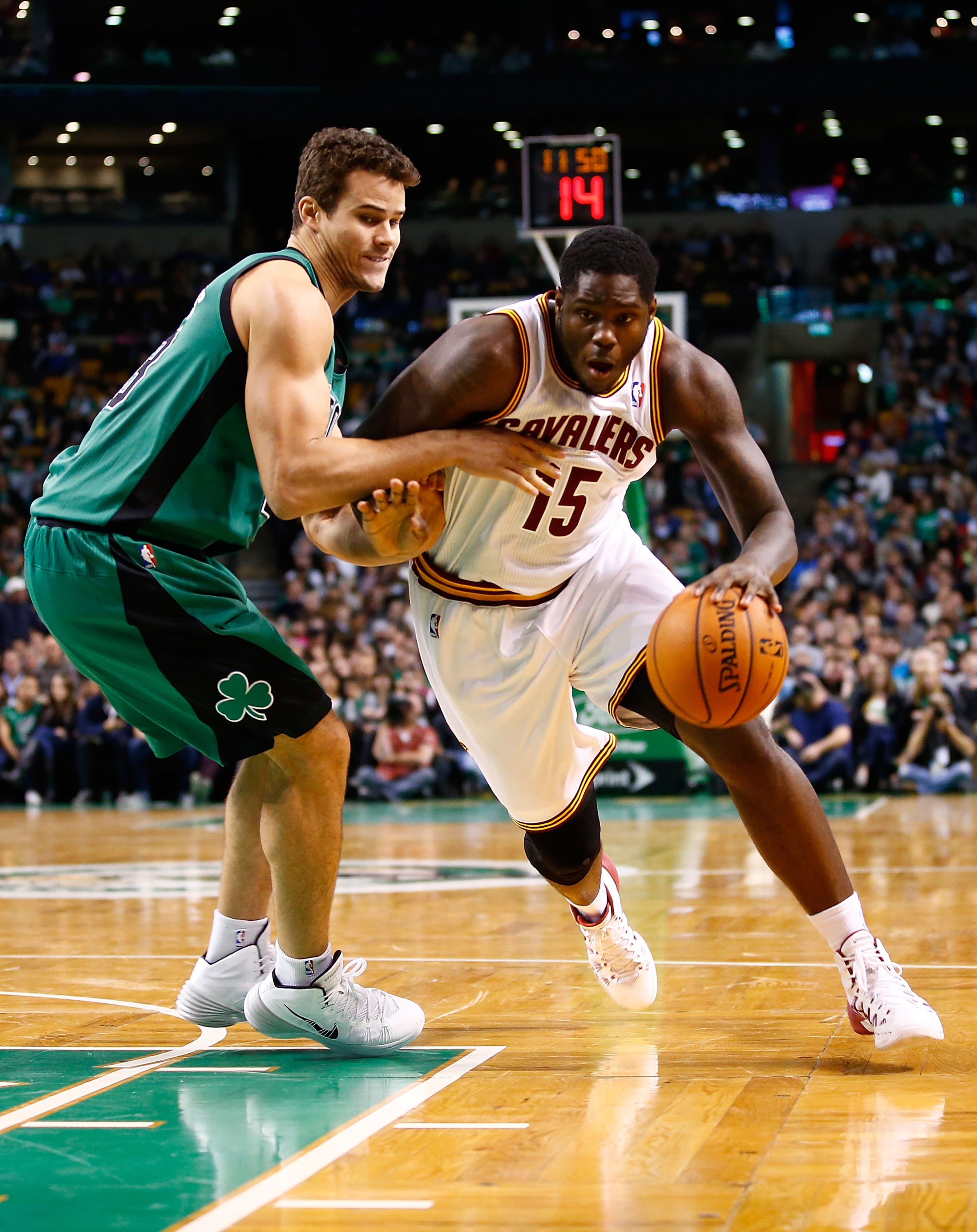 Mike Brown may move Anthony Bennett to small forward