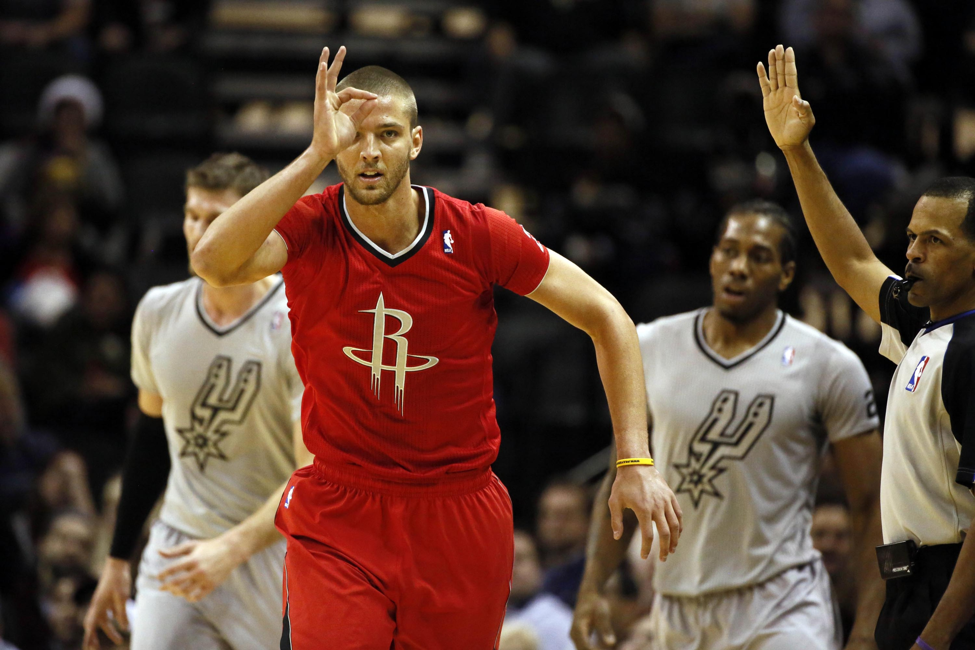2013 NBA Christmas results: James Harden leads Rockets past Spurs, 111-98
