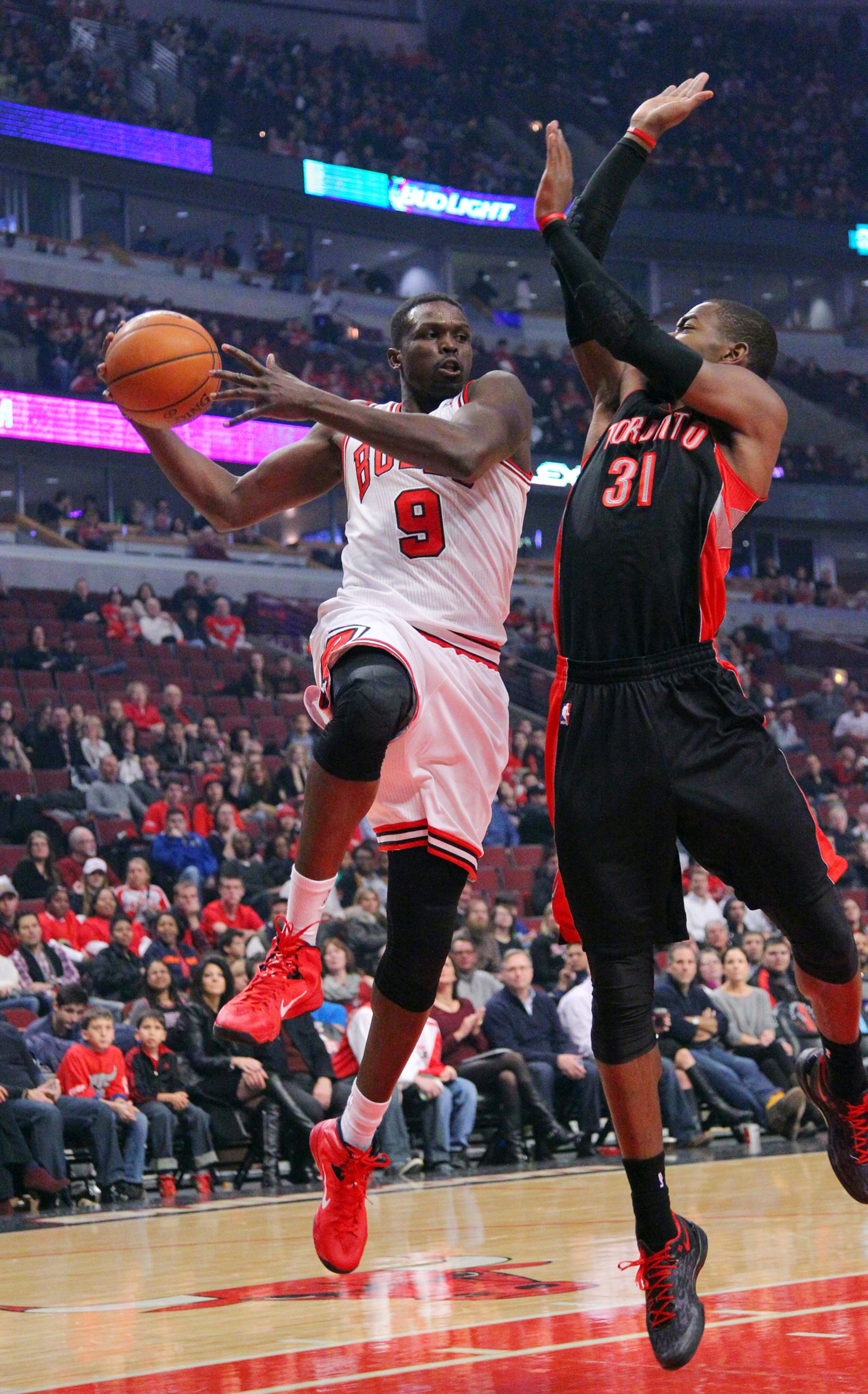 Bulls aim to trade Luol Deng and amnesty Carlos Boozer, according to report