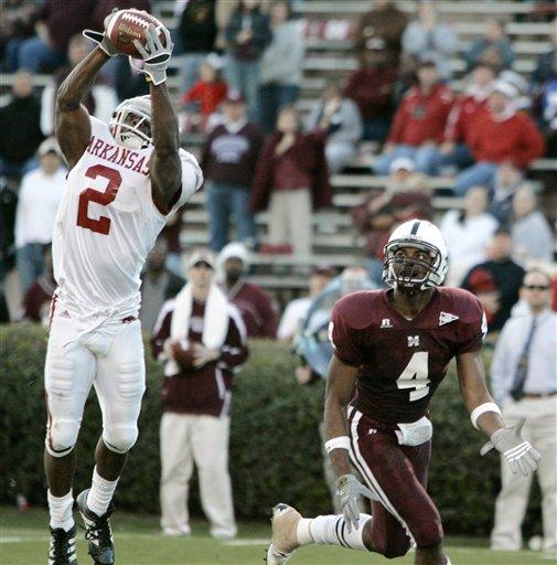 Chris Houston intercepts a pass vs Mississippi State