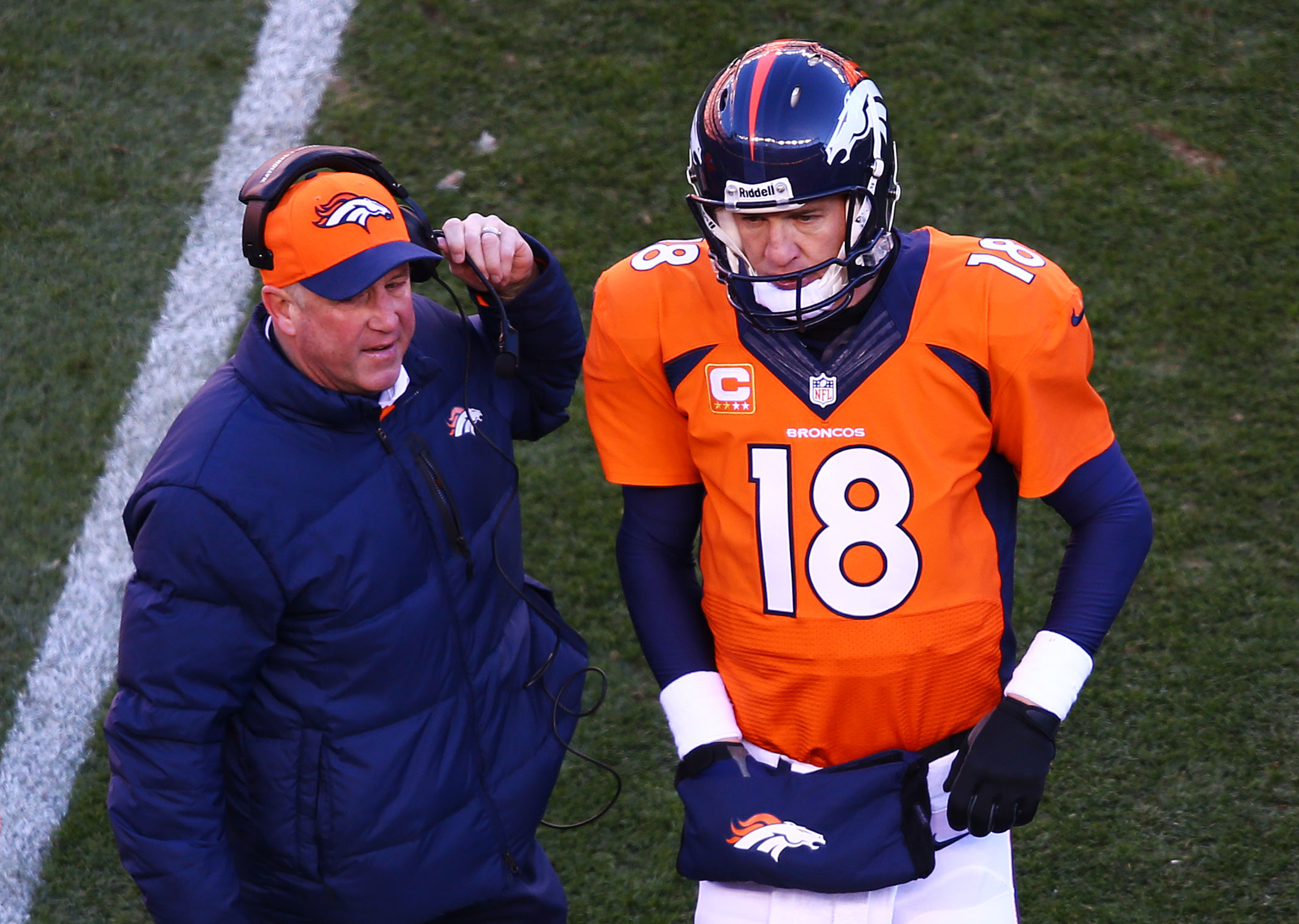Peyton Manning: Tom Brady 'outstanding' but AFC Championship between 'two good teams'
