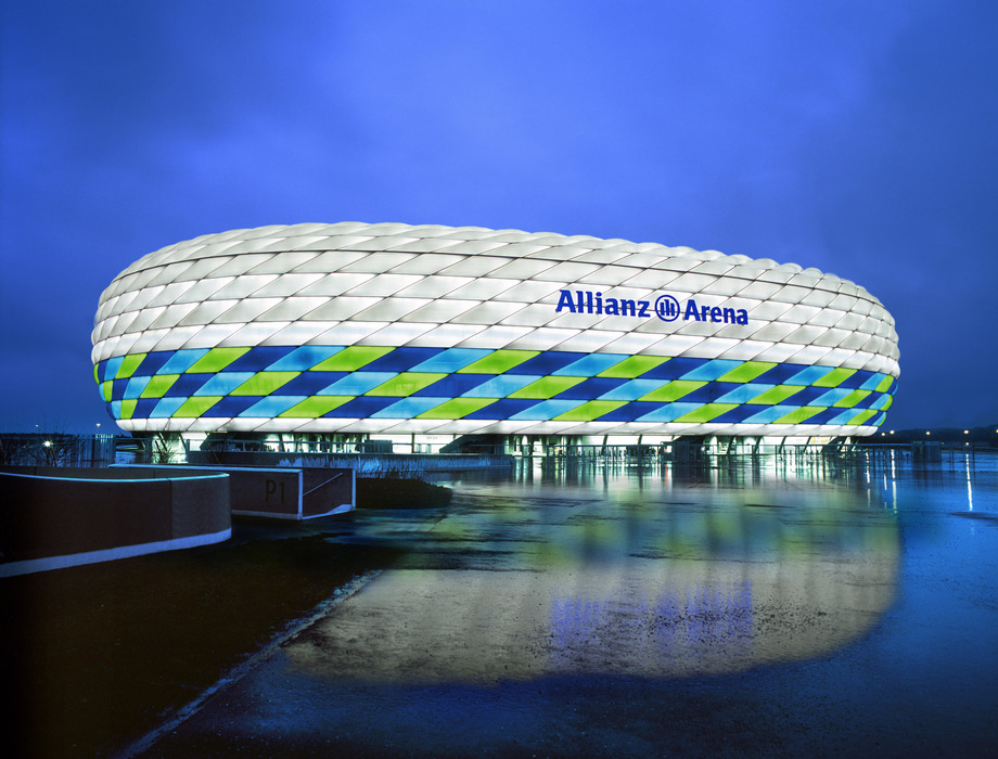 Bayern Munich to increase capacity of Allianz Arena
