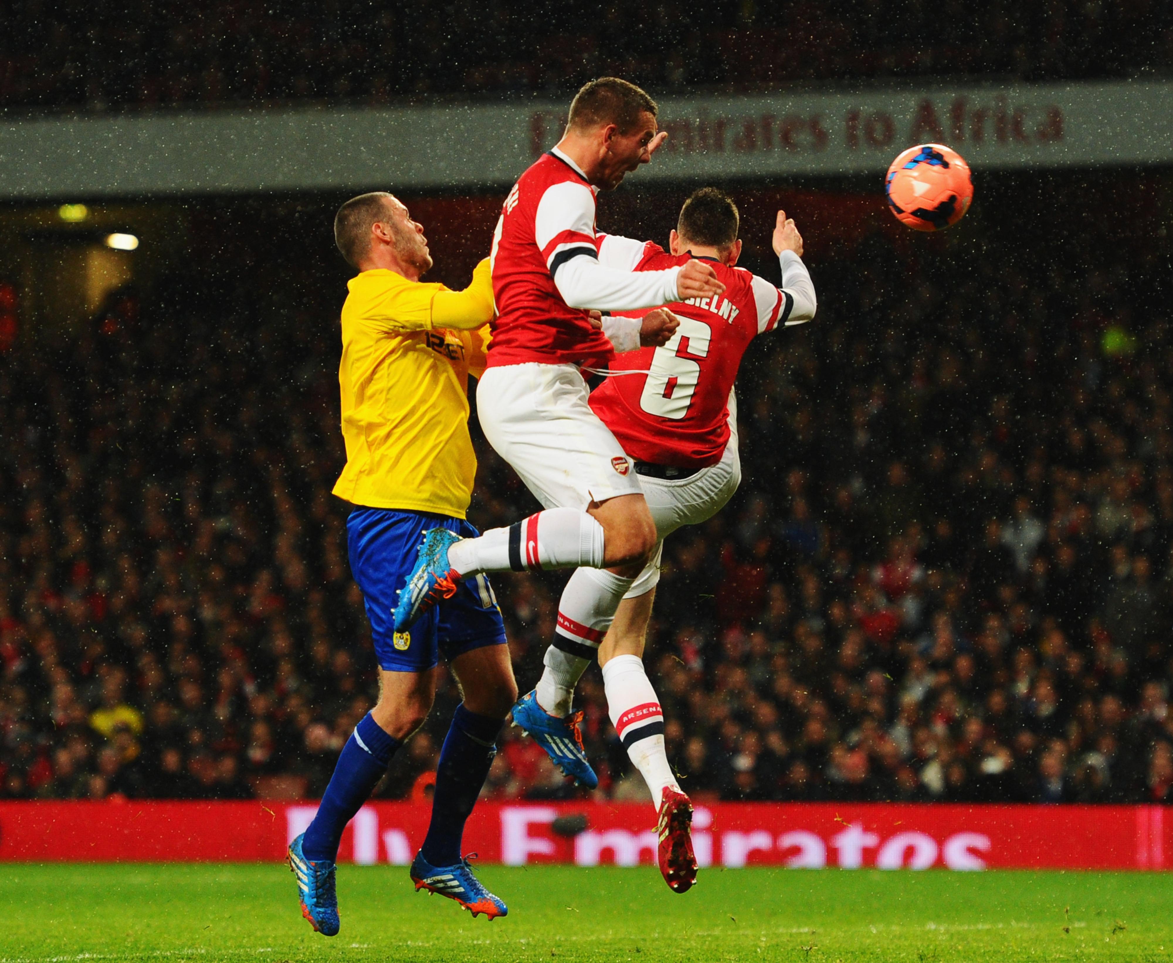 Arsenal vs. Coventry City: Final score 4-0, Podolski brace sees Gunners through