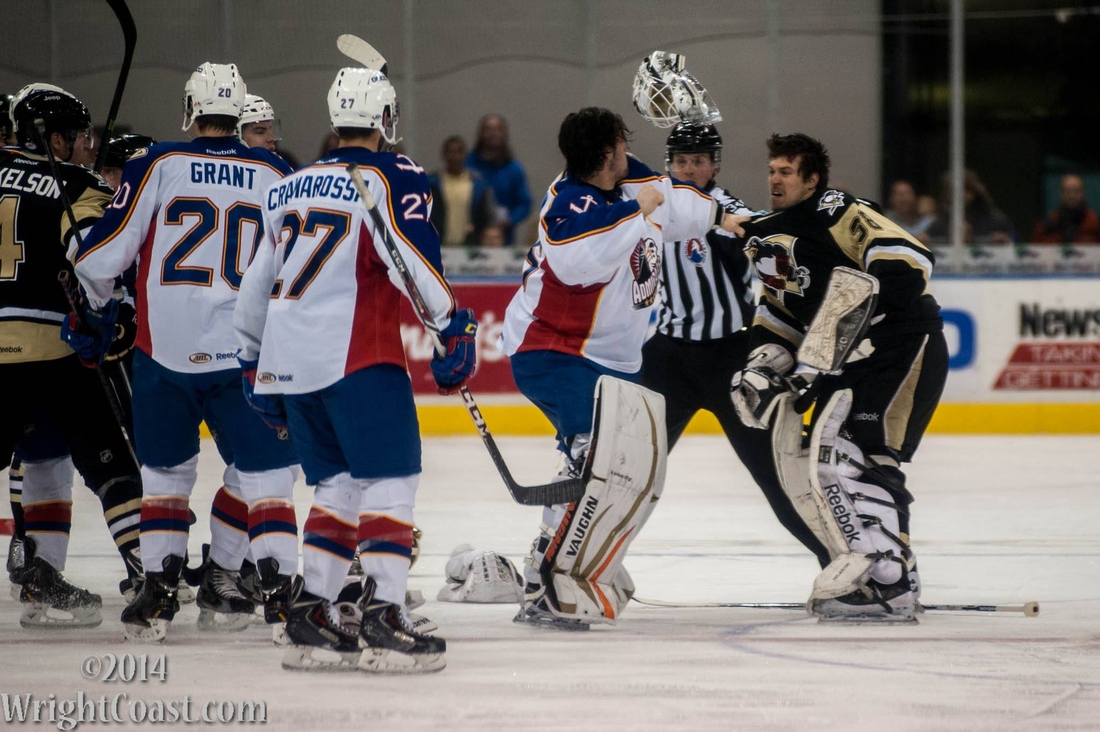 John Gibson Faces Off Against Jeff Deslauriers at Scope Jan 24, 2014