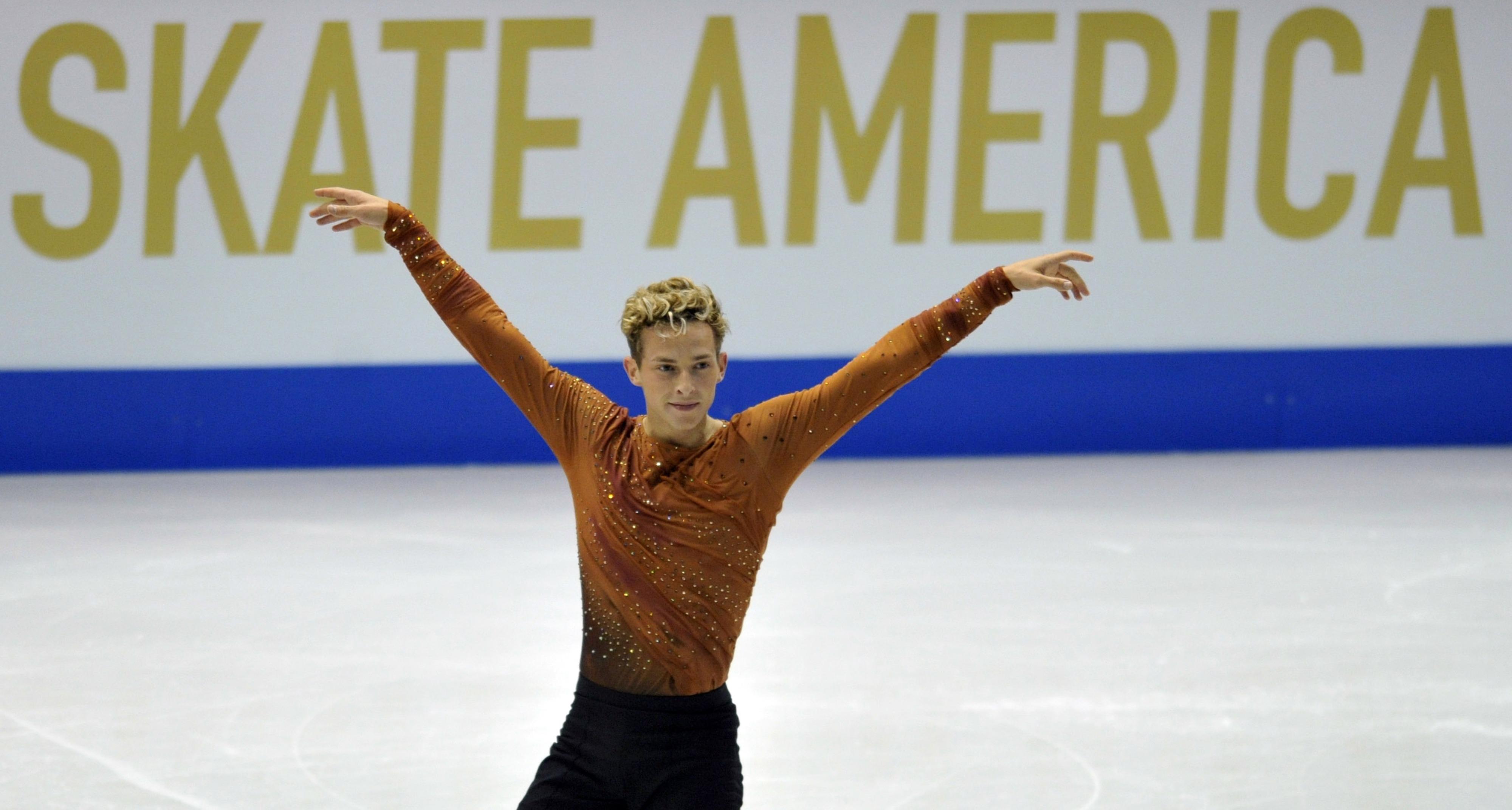 Hererosexual figure skating snl