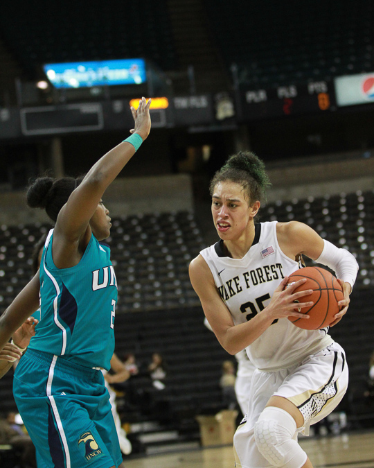 Dearica Hamby in action against UNC-W