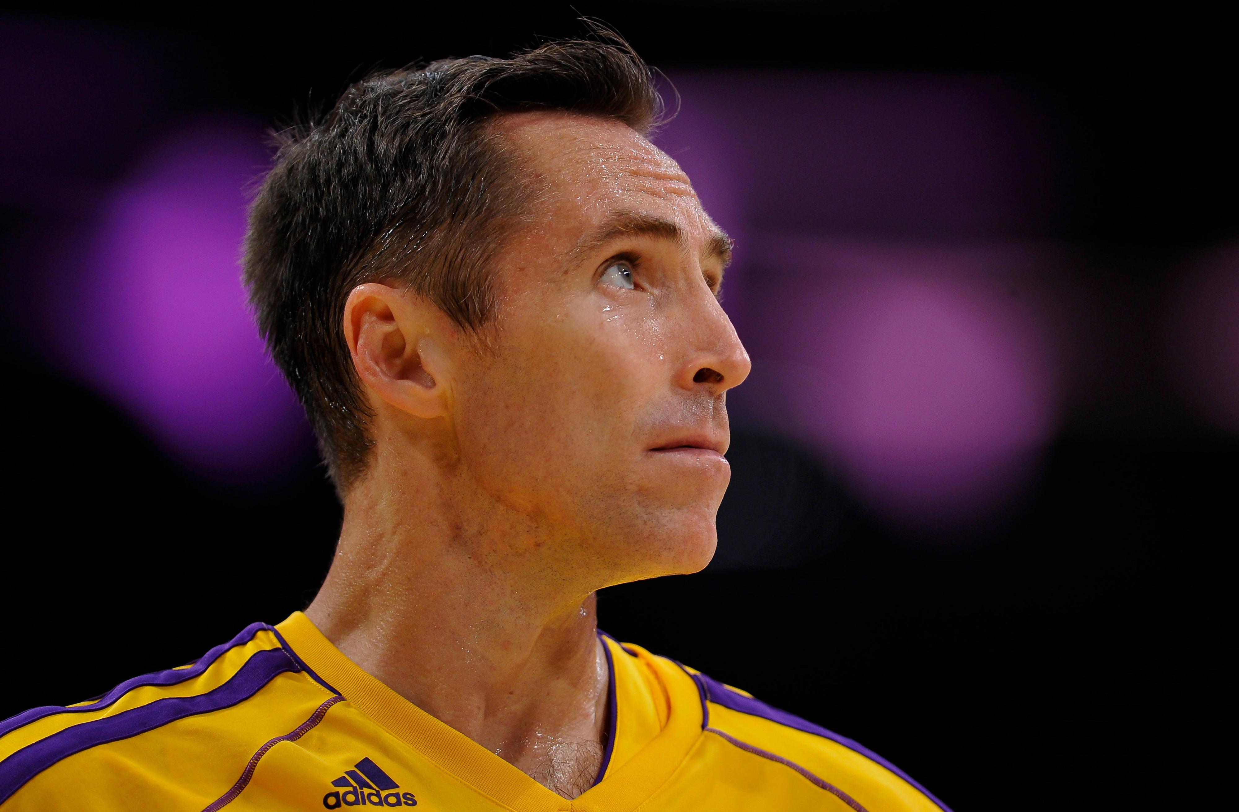 Steve Nash starting for Lakers Tuesday