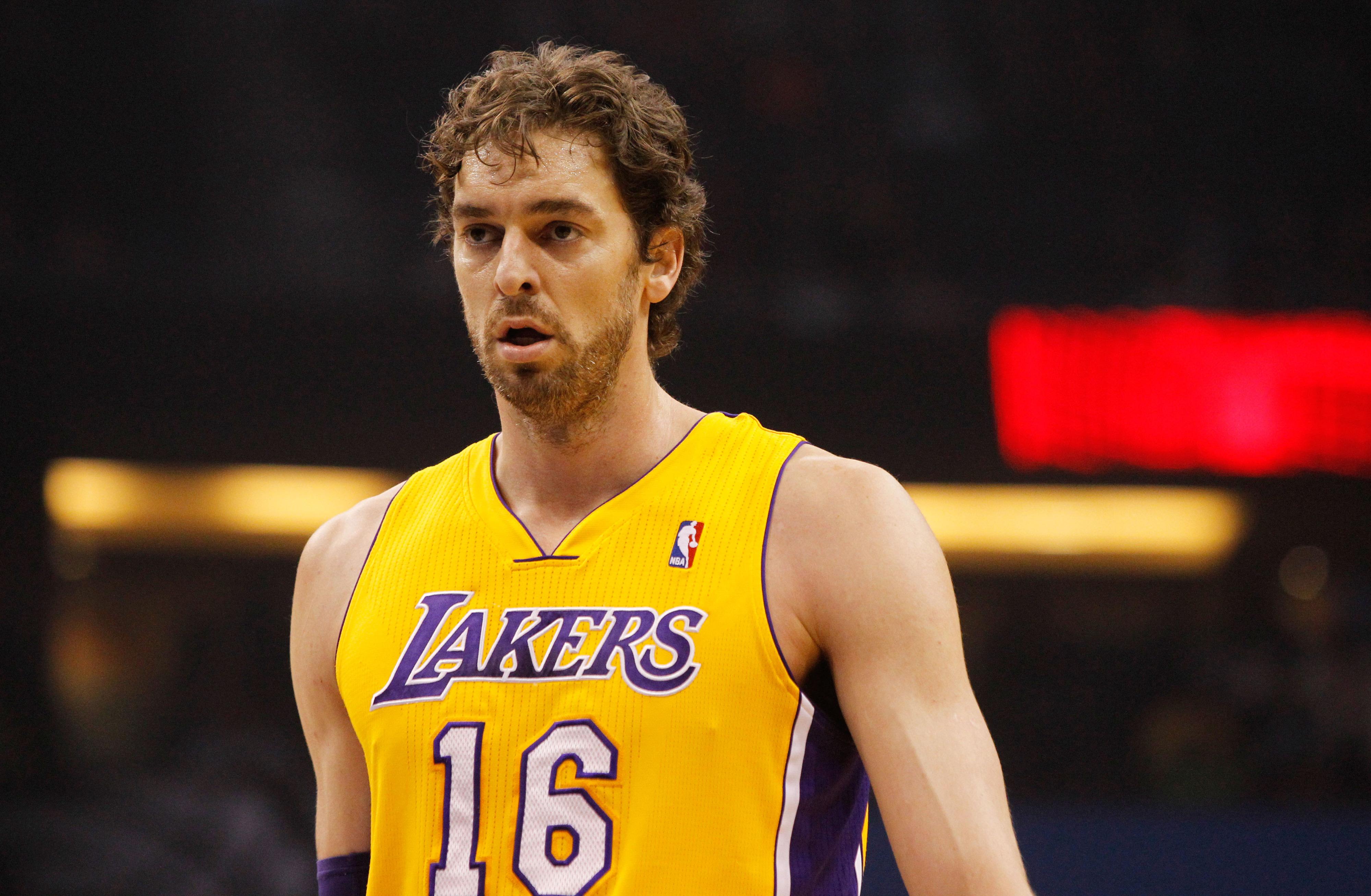 NBA trade rumors roundup: Lakers weighing benefits of keeping Pau Gasol, Nets-Kings discussions progressing