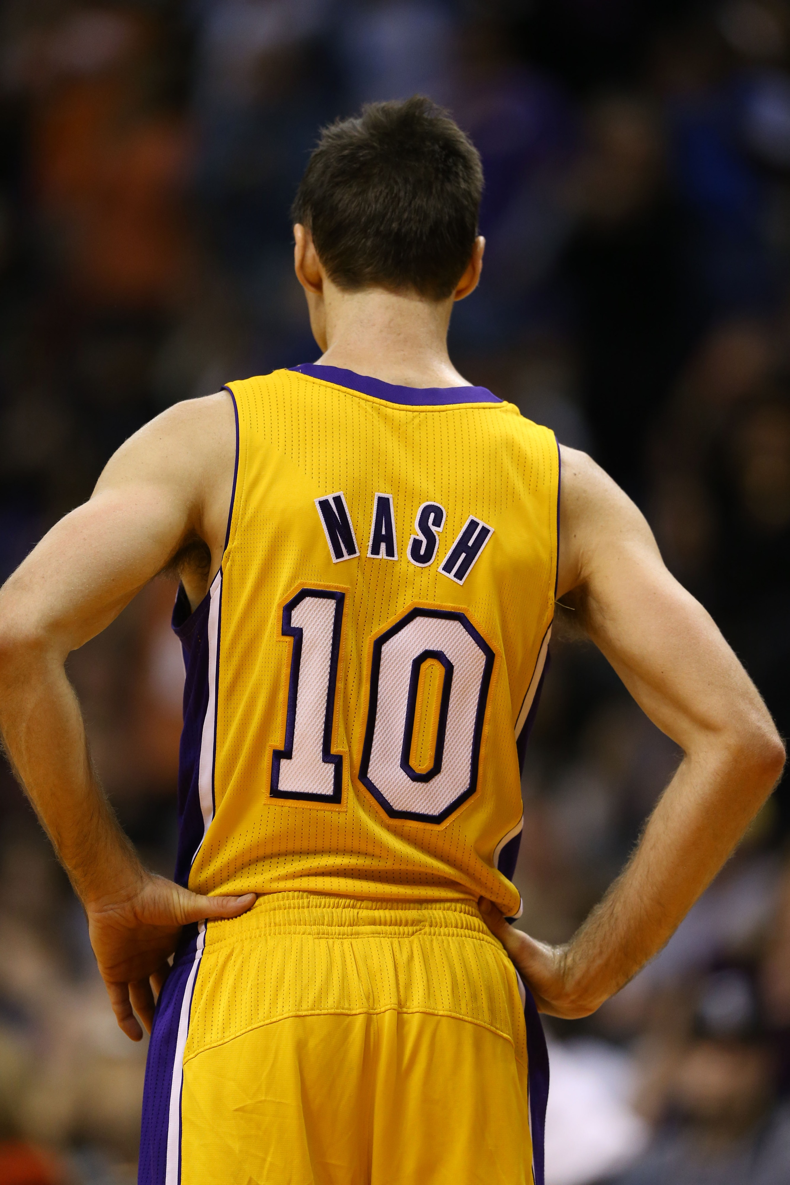 Steve Nash: 'It's either back with the Lakers next year or I'm done'